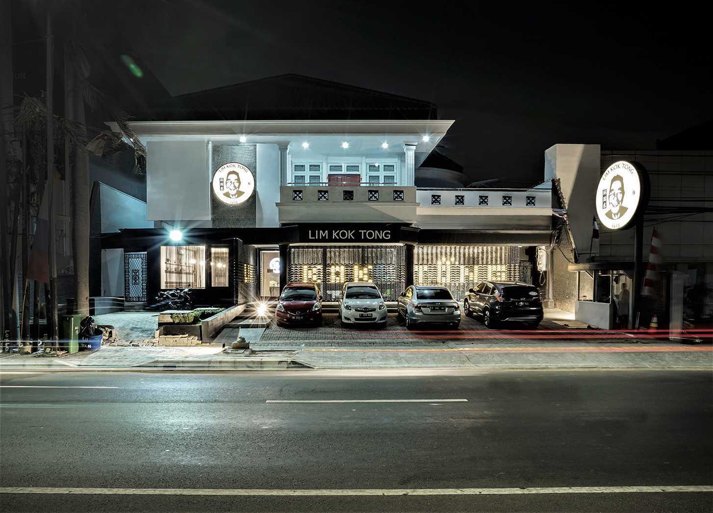 Einhaus Lim Kok Tong Kopitiam 1925 4, Jl. Pluit Indah No.16, Rt.8/rw.6, Pluit, Kec. Penjaringan, Kota Jkt Utara, Daerah Khusus Ibukota Jakarta 14450, Indonesia 4, Jl. Pluit Indah No.16, Rt.8/rw.6, Pluit, Kec. Penjaringan, Kota Jkt Utara, Daerah Khusus Ibukota Jakarta 14450, Indonesia Einhaus-Lim-Kok-Tong-Kopitiam-1925   105806