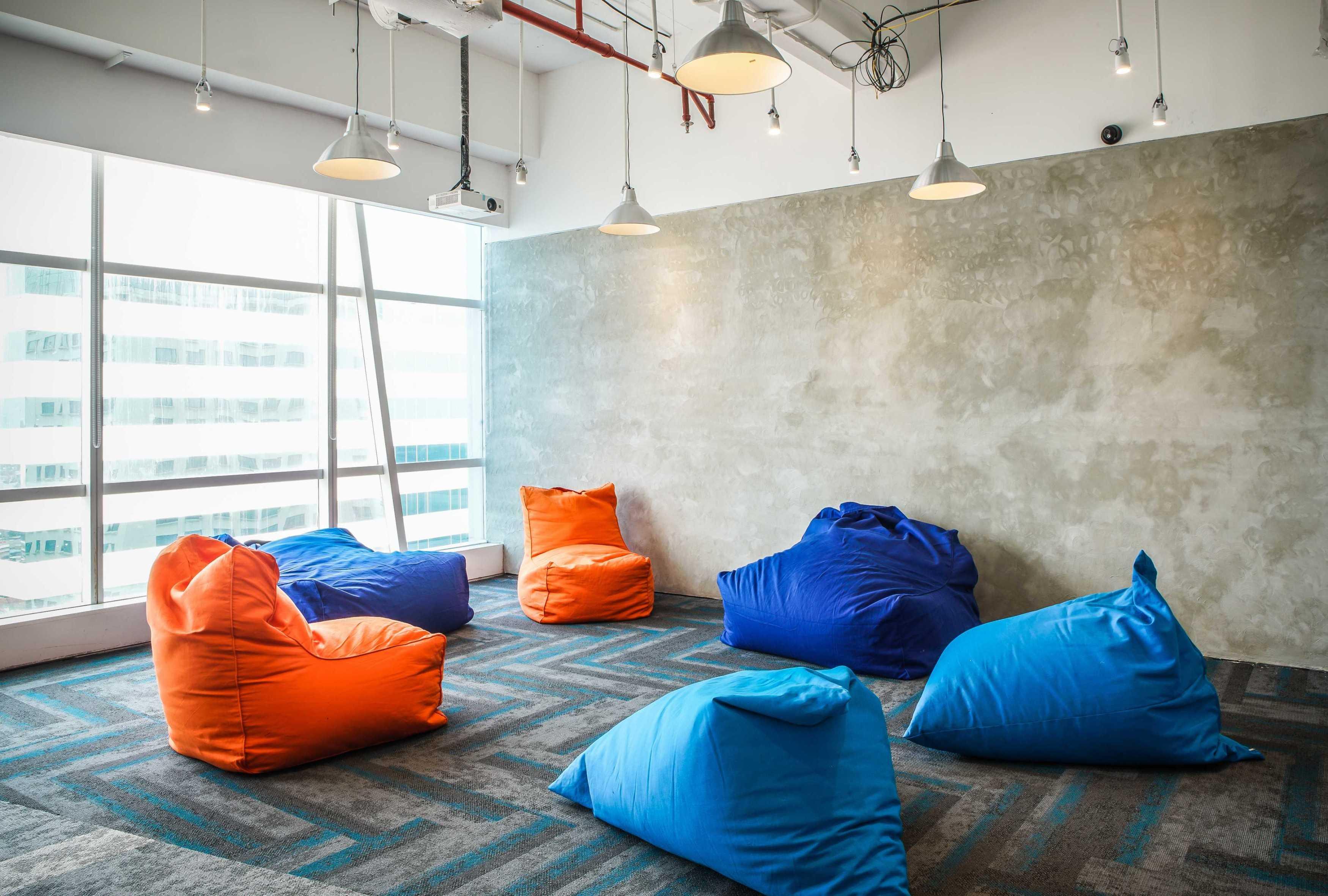 Design Intervention Tech Company Floor 19 Jakarta, Daerah Khusus Ibukota Jakarta, Indonesia Jakarta, Daerah Khusus Ibukota Jakarta, Indonesia Design-Intervention-Traveloka-19Th-Floor   71026