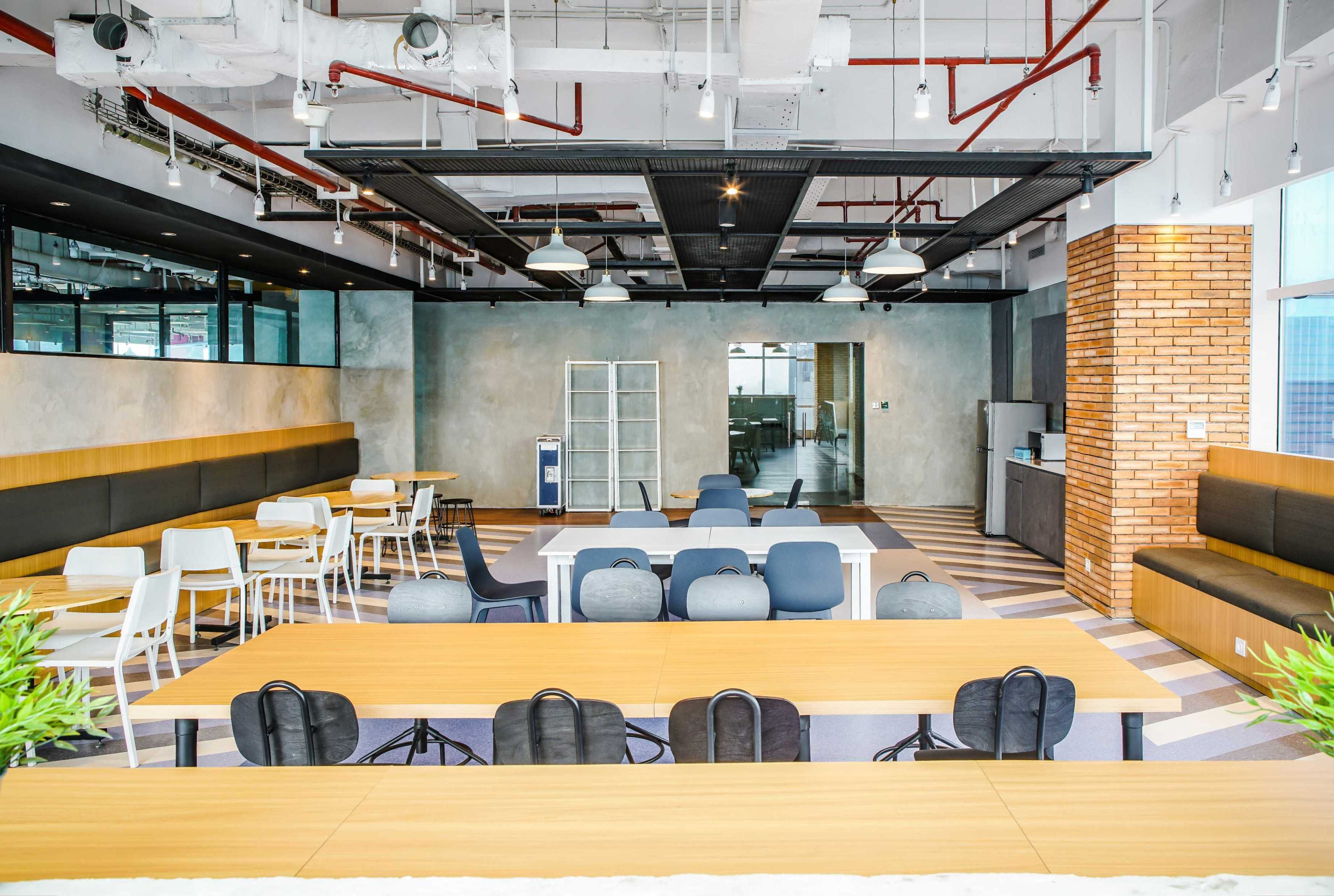 Design Intervention Tech Company Floor 19 Jakarta, Daerah Khusus Ibukota Jakarta, Indonesia Jakarta, Daerah Khusus Ibukota Jakarta, Indonesia Design-Intervention-Traveloka-19Th-Floor   71035