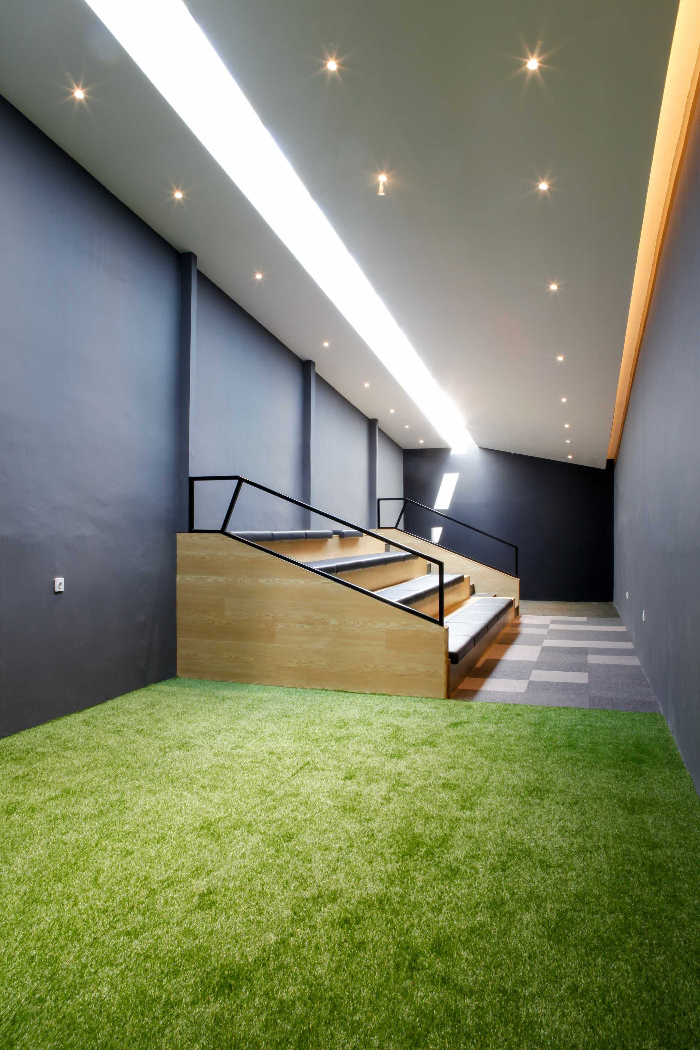 Design Intervention Simland Office Jakarta, Daerah Khusus Ibukota Jakarta, Indonesia Jakarta, Daerah Khusus Ibukota Jakarta, Indonesia Design-Intervention-Simland-Office   71059