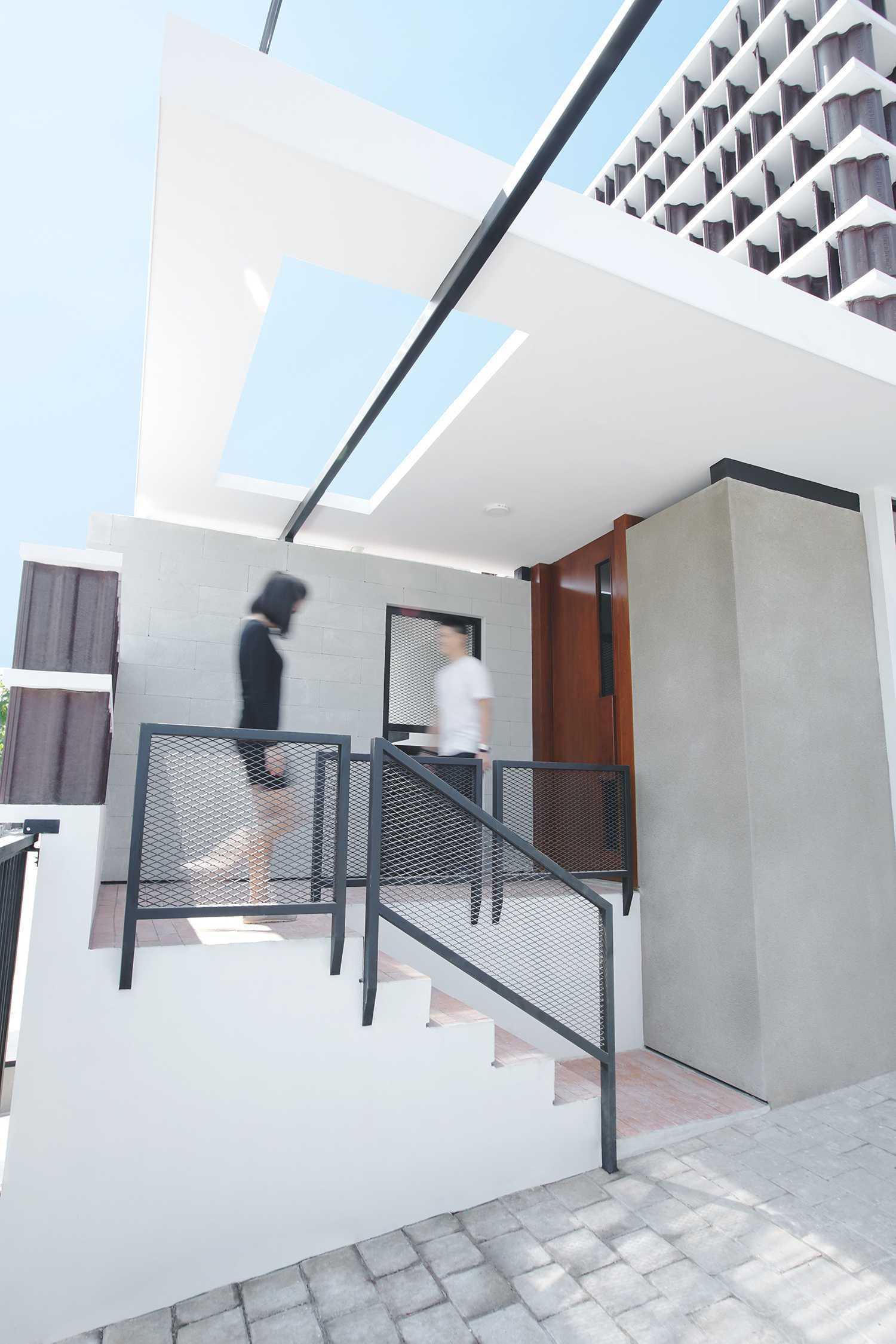 Saso Architecture Studio Rumah Genteng Bintara, Kec. Bekasi Bar., Kota Bks, Jawa Barat, Indonesia Bintara, Kec. Bekasi Bar., Kota Bks, Jawa Barat, Indonesia Saso-Architecture-Studio-Rumah-Genteng   79379