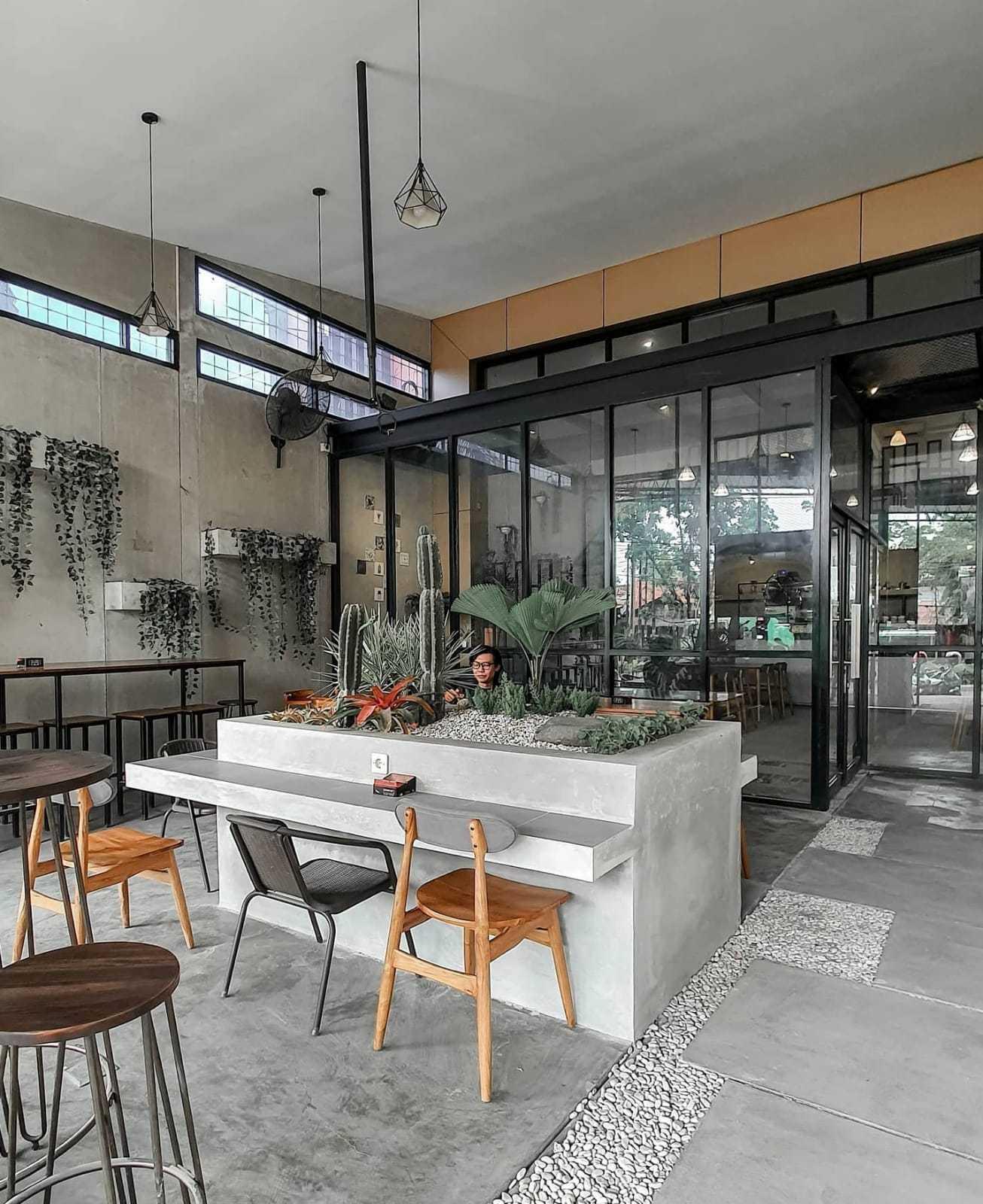 Fau Architects Athaya Coffee Pedurungan, Kota Semarang, Jawa Tengah, Indonesia Pedurungan, Kota Semarang, Jawa Tengah, Indonesia Fau-Architects-Athaya-Coffee   109045