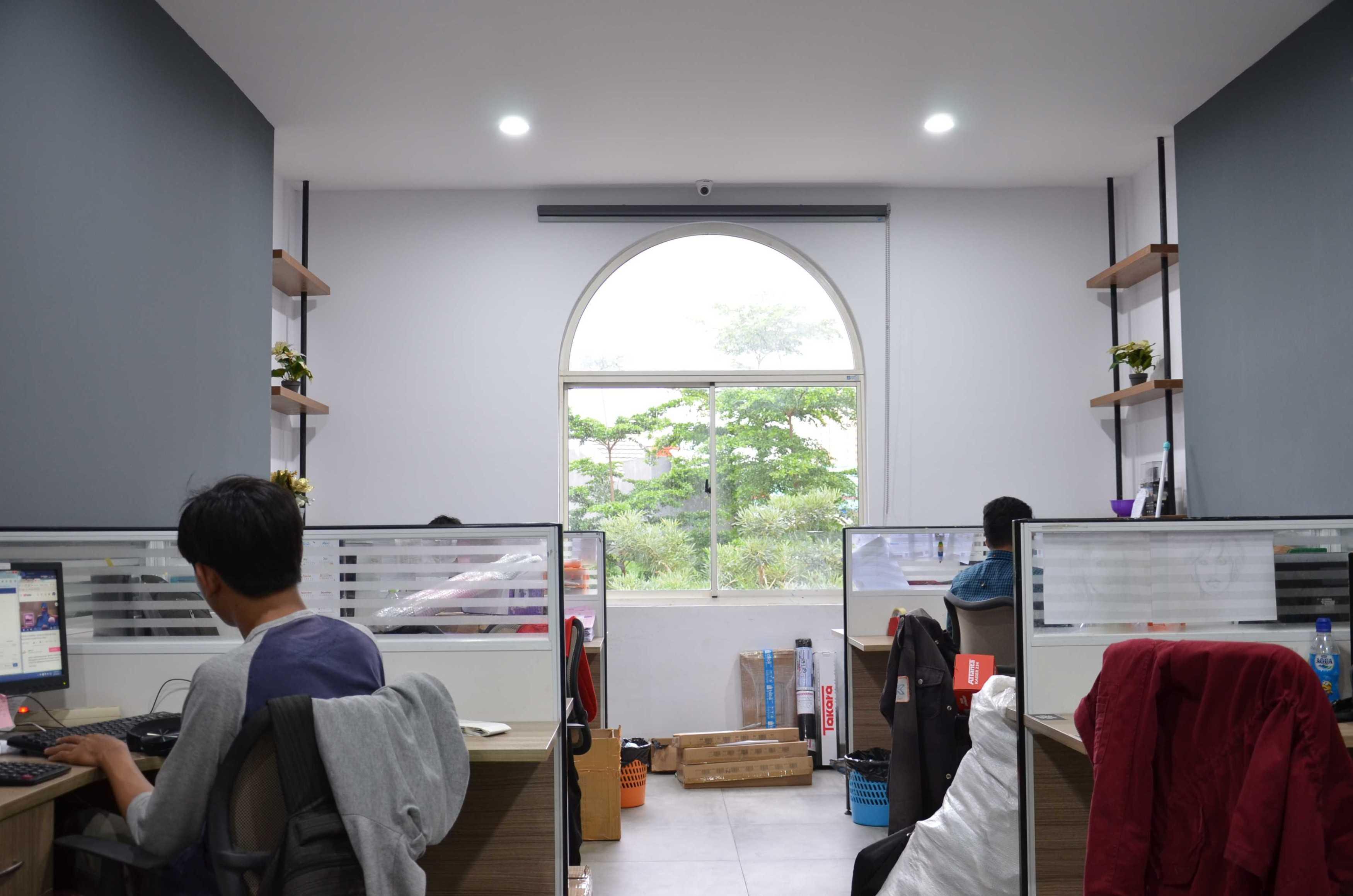 Atelier Ara Godric Store Tangerang, Banten, Indonesia Jl. Green Lake City Boulevard, Duri Kosambi, Cengkareng, Kota Jakarta Barat, Daerah Khusus Ibukota Jakarta 11750, Indonesia Atelier-Ara-Godric-Store   68254