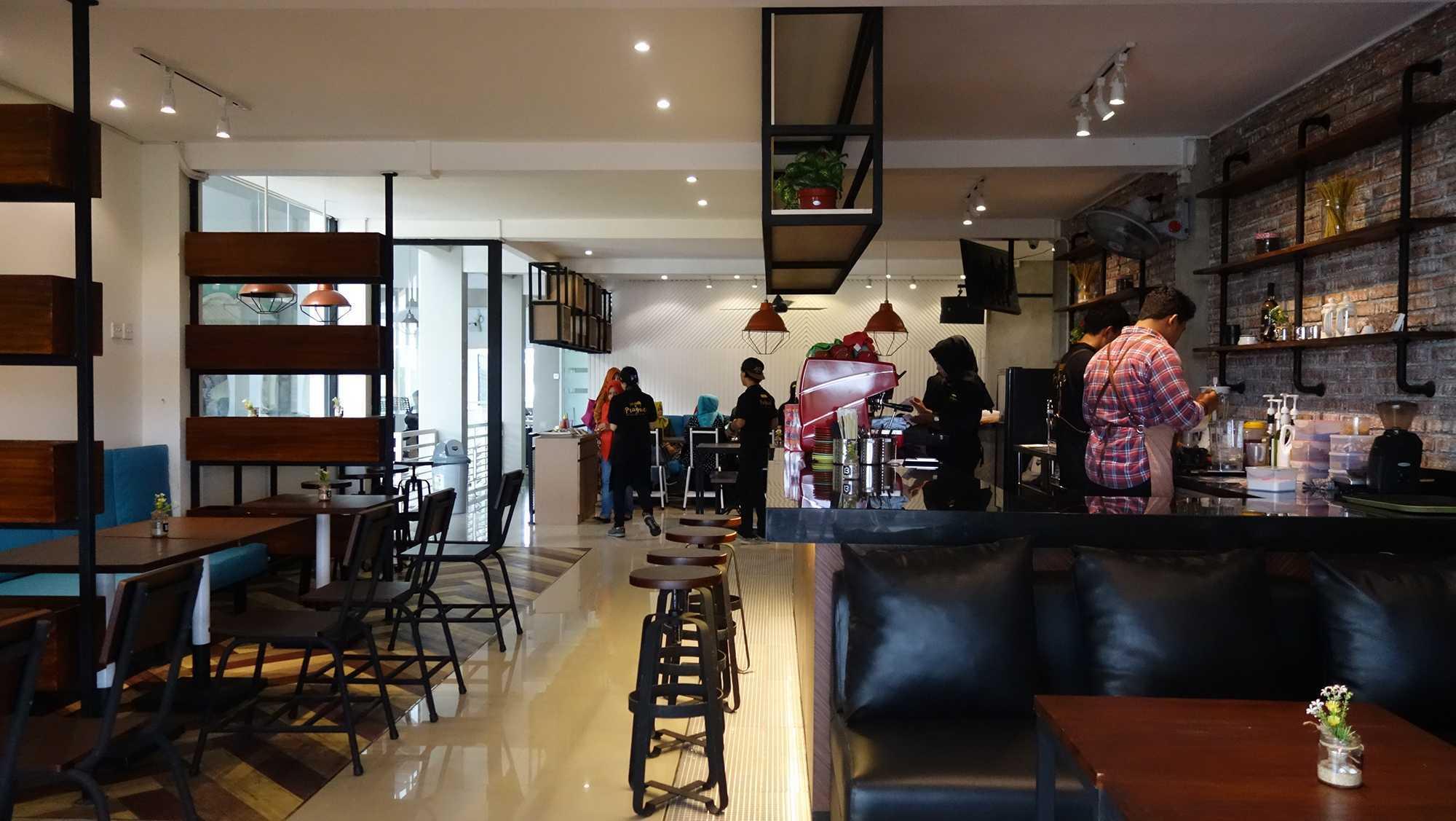 Aditya Wira Hardi Prague Coffee And Eatery Madiun, Kota Madiun, Jawa Timur, Indonesia Madiun, Kota Madiun, Jawa Timur, Indonesia Aditya-Wira-Hardi-Prague-Coffee-And-Eatery   65907