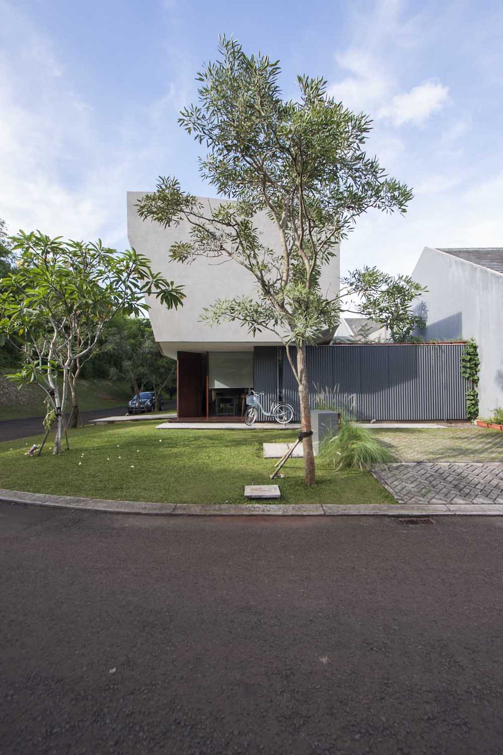 Armschitecture House Of Trimmed Reform Tangerang, Kota Tangerang, Banten, Indonesia Tangerang, Kota Tangerang, Banten, Indonesia Arms-Studio-House-Of-Trimmed-Reform Contemporary  65848