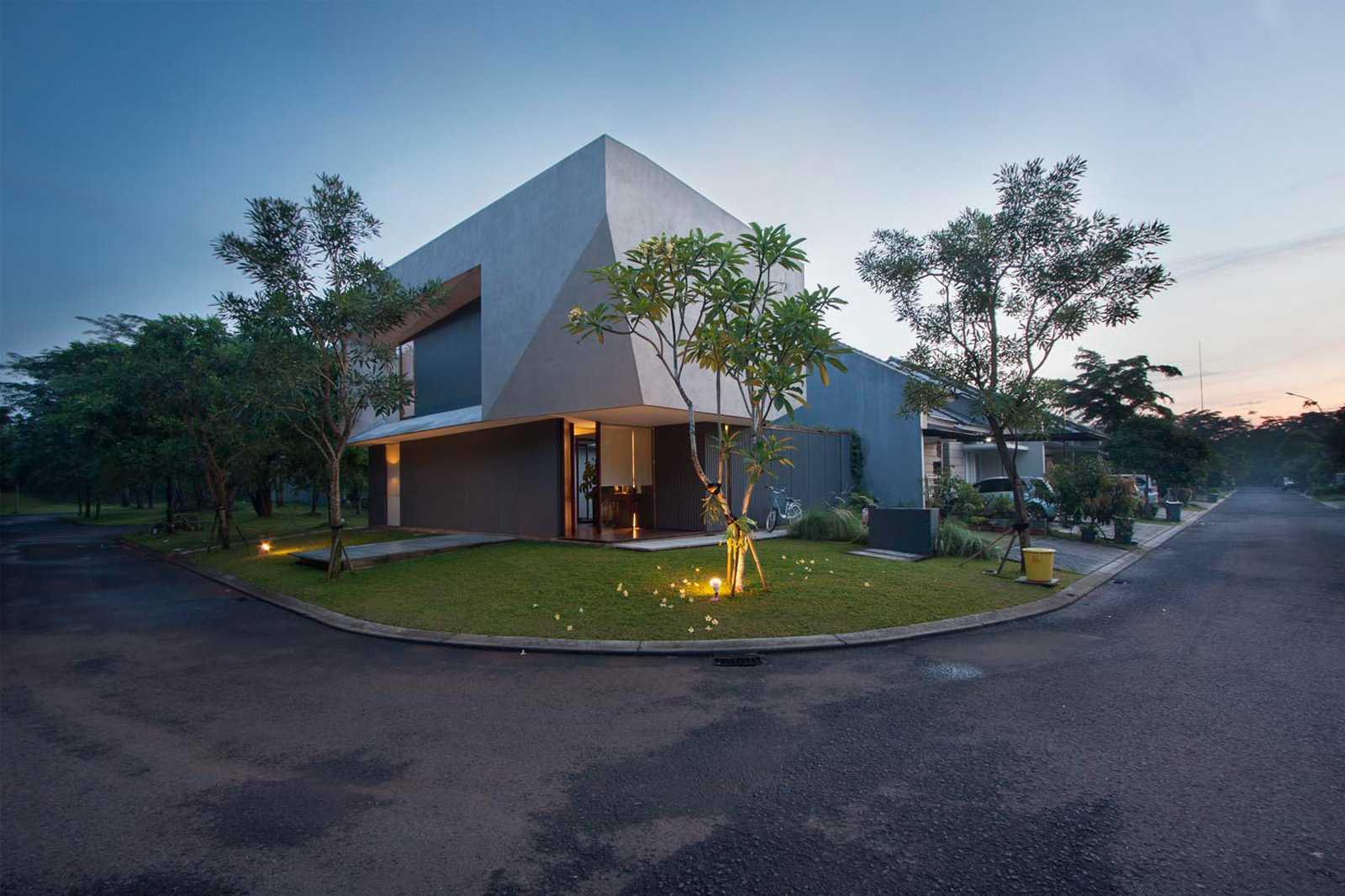 Armschitecture House Of Trimmed Reform Tangerang, Kota Tangerang, Banten, Indonesia Tangerang, Kota Tangerang, Banten, Indonesia Arms-Studio-House-Of-Trimmed-Reform   65856