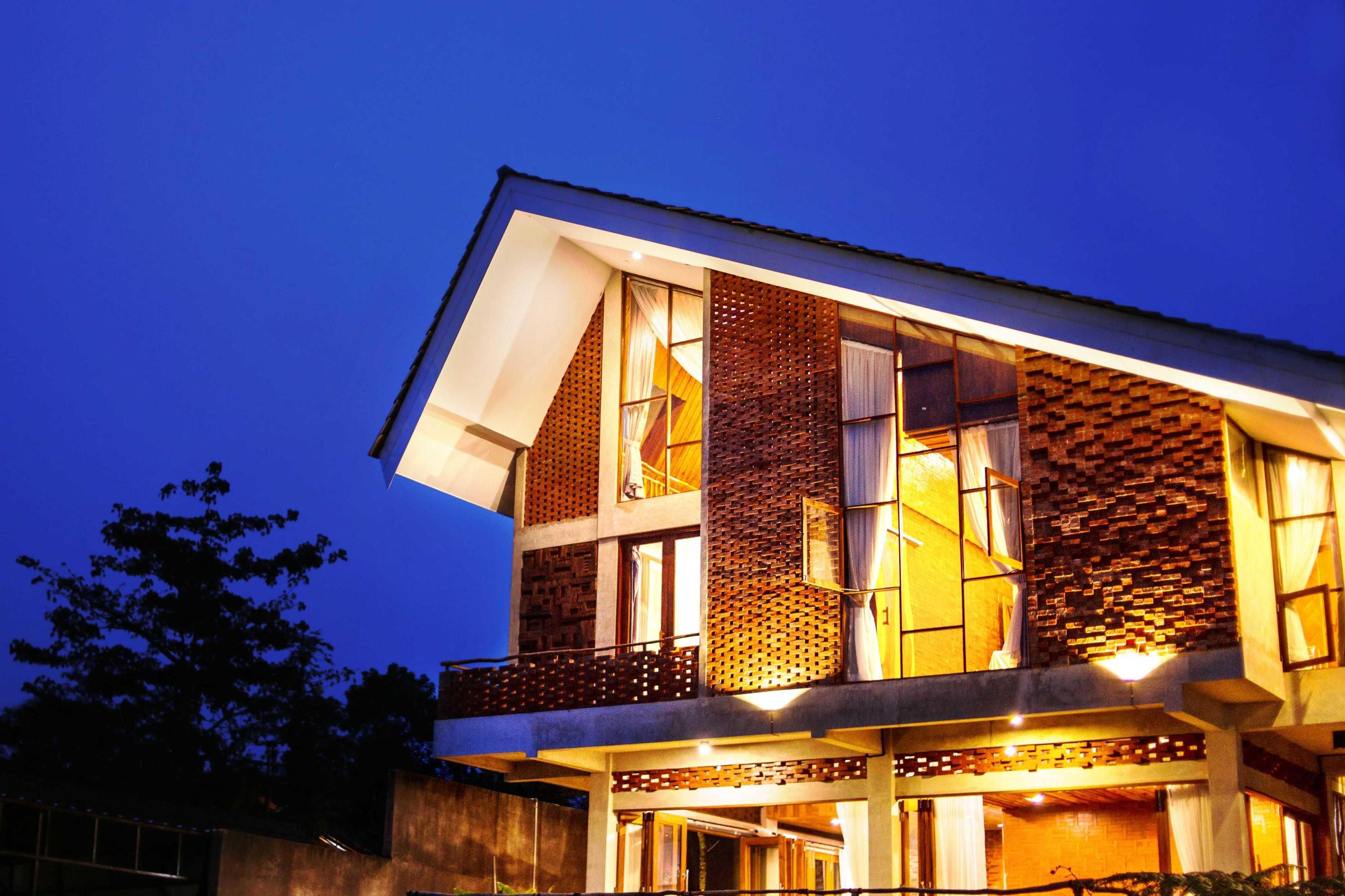 Junge Architekt Studio Imah Bata Villa, Bandung Indonesia Sindanglaya, Cimenyan, Bandung, Jawa Barat, Indonesia Sindanglaya, Cimenyan, Bandung, Jawa Barat, Indonesia Junge-Architekt-Studio-Imah-Bata-Villa-Bandung-Indonesia   67742