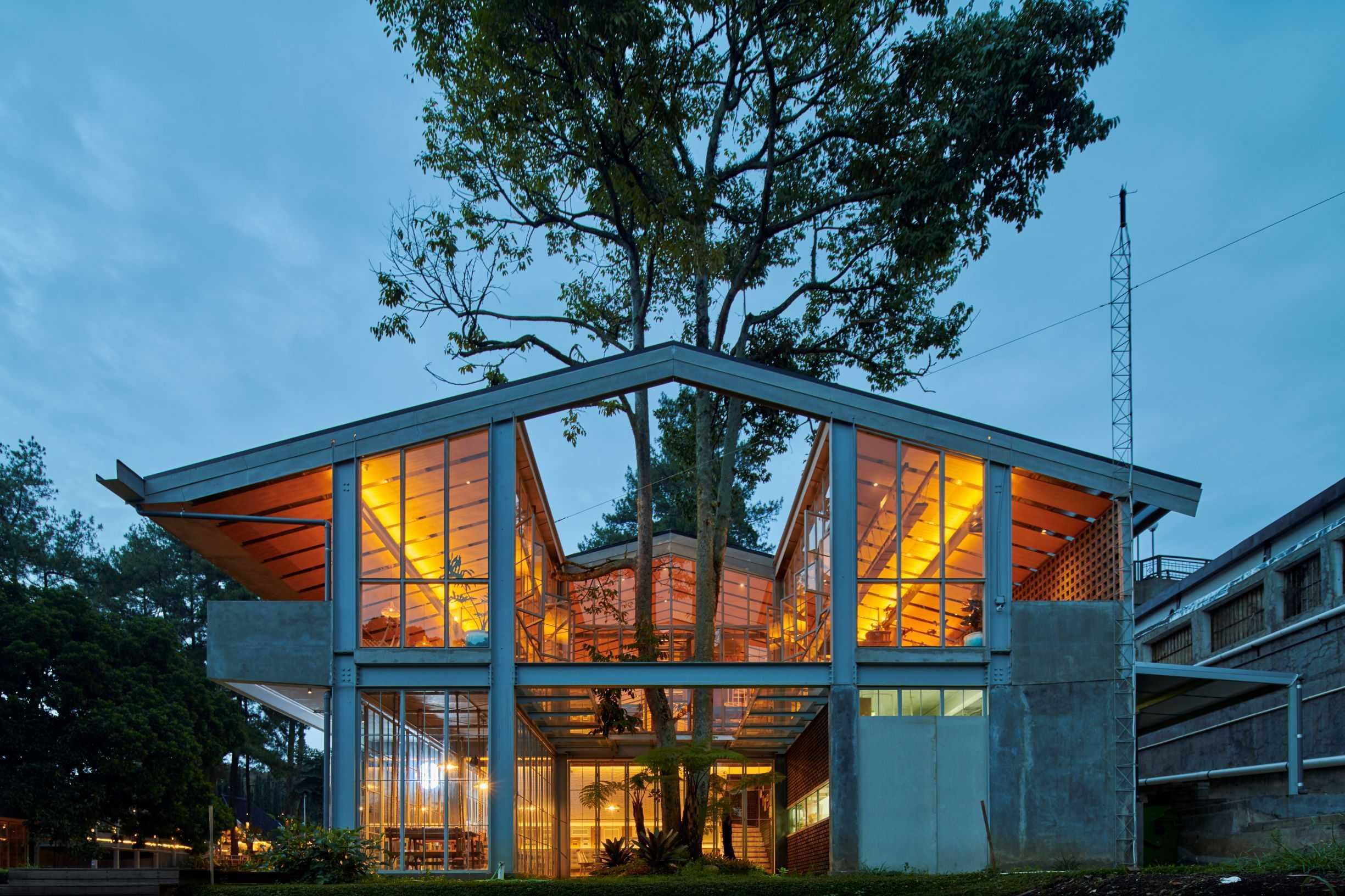 Hadivincent Architects Nara Park Ciumbuleuit, Cidadap, Kota Bandung, Jawa Barat, Indonesia Ciumbuleuit, Cidadap, Kota Bandung, Jawa Barat, Indonesia Hadivincent-Architects-Nara-Park   71546