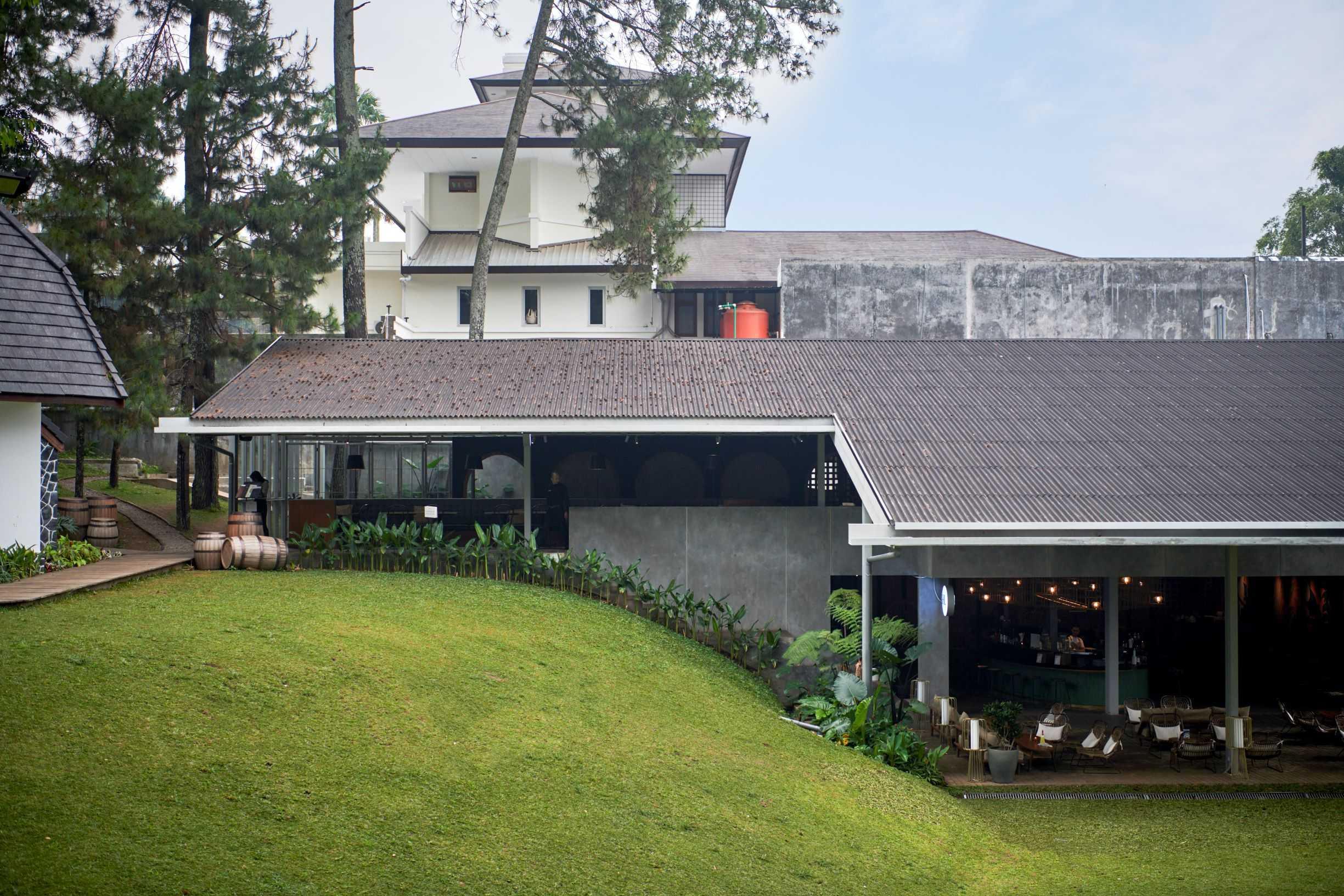Hadivincent Architects Nara Park Ciumbuleuit, Cidadap, Kota Bandung, Jawa Barat, Indonesia Ciumbuleuit, Cidadap, Kota Bandung, Jawa Barat, Indonesia Hadivincent-Architects-Nara-Park   71550