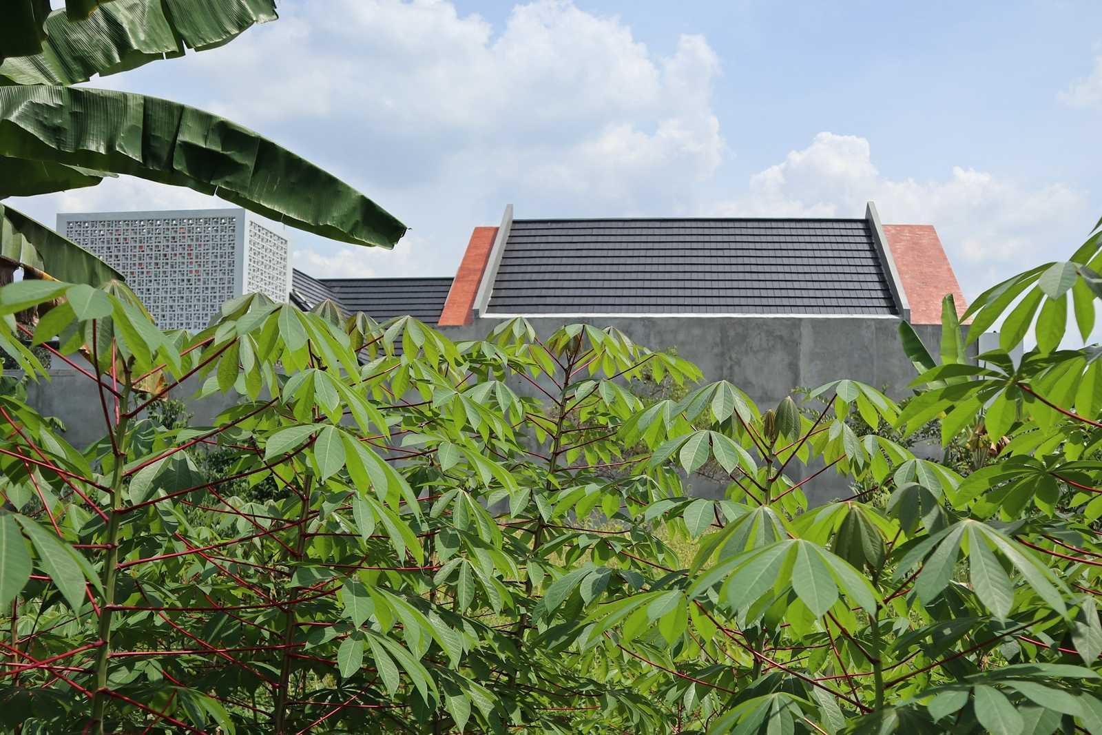 Bd Studio Ss Villa House Medan, Kota Medan, Sumatera Utara, Indonesia Medan, Kota Medan, Sumatera Utara, Indonesia Bd-Studio-Ss-Villa-House   74096