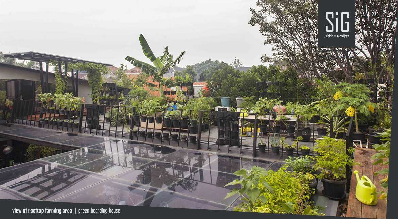 Sigit.kusumawijaya | Architect & Urbandesigner Rumah Beranda - Green Boarding House Cipete, South Jakarta, Indonesia Cipete, South Jakarta, Indonesia Sigitkusumawijaya-Architect-Urbandesigner-Rumah-Beranda-Green-Boarding-House Industrial  55000