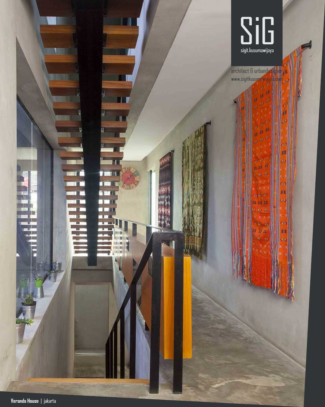 Sigit.kusumawijaya | Architect & Urbandesigner Rumah Beranda - Green Boarding House Cipete, South Jakarta, Indonesia Cipete, South Jakarta, Indonesia Sigitkusumawijaya-Architect-Urbandesigner-Rumah-Beranda-Green-Boarding-House Industrial  55005
