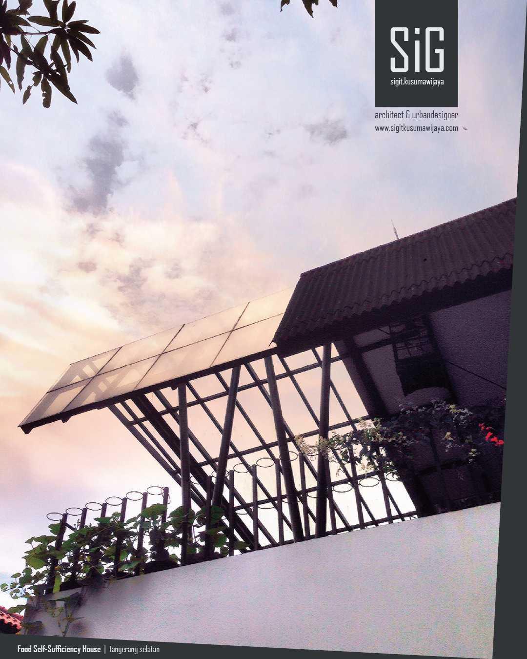 Sigit.kusumawijaya | Architect & Urbandesigner Rumah Kebun Mandiri Pangan (Food Self-Sufficiency House) Kota Tgr. Sel., Kota Tangerang Selatan, Banten, Indonesia Kota Tgr. Sel., Kota Tangerang Selatan, Banten, Indonesia Sigitkusumawijaya-Architect-Urbandesigner-Rumah-Kebun-Mandiri-Pangan-Food-Self-Sufficiency-House   55024