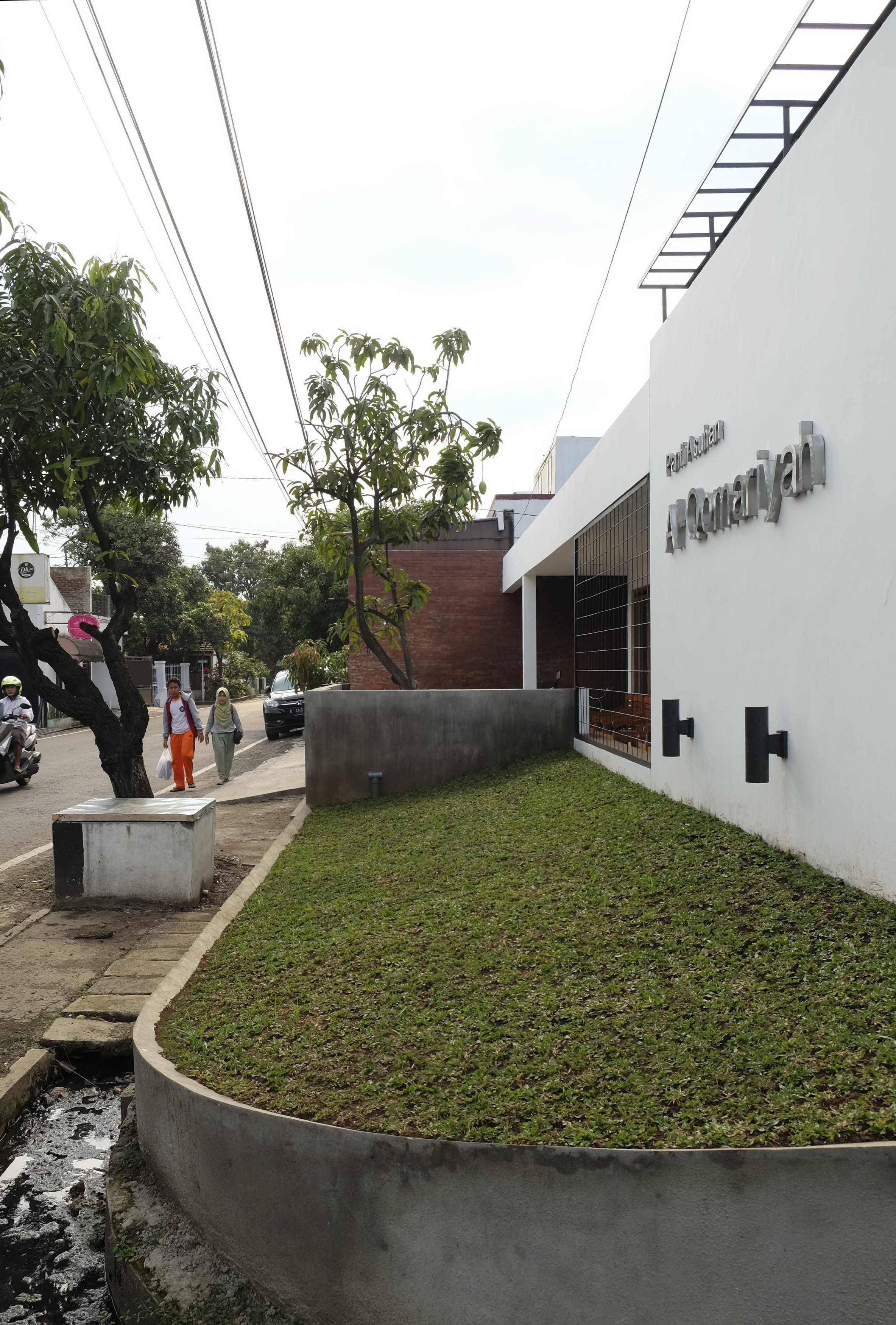 Eki Achmad Rujai Al-Qomariyah Orphanage Bandung, Kota Bandung, Jawa Barat, Indonesia Bandung, Kota Bandung, Jawa Barat, Indonesia Eki-Achmad-Rujai-Al-Qomariyah-Orphanage   66667