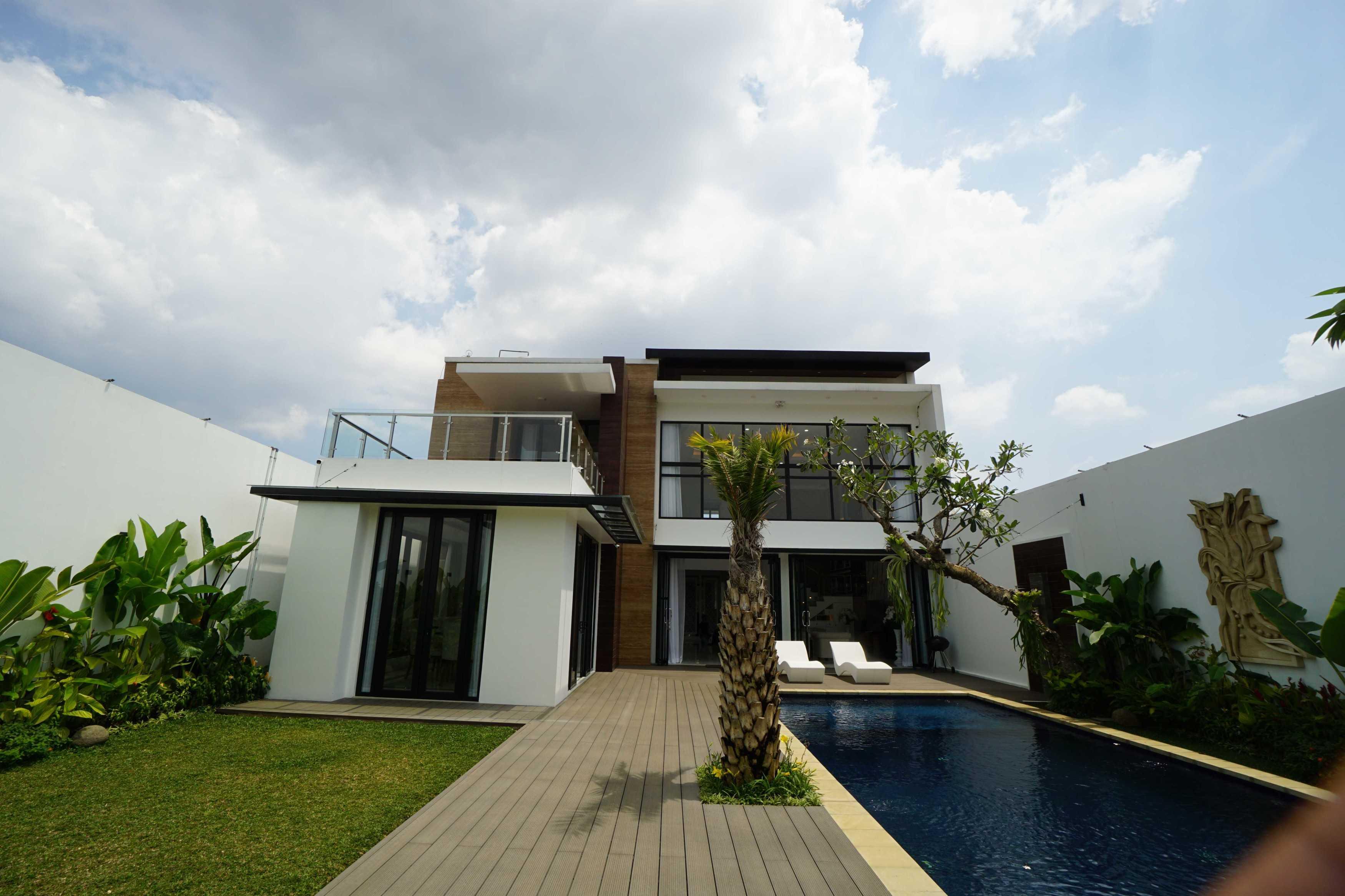 Emporio Architect Hasil Konstruksi Rumah Modern Tropis 363 @ Bandung Bandung, Kota Bandung, Jawa Barat, Indonesia Bandung, Kota Bandung, Jawa Barat, Indonesia Emporio-Architect-Hasil-Konstruksi-Rumah-Modern-Tropis-363-Bandung   82733