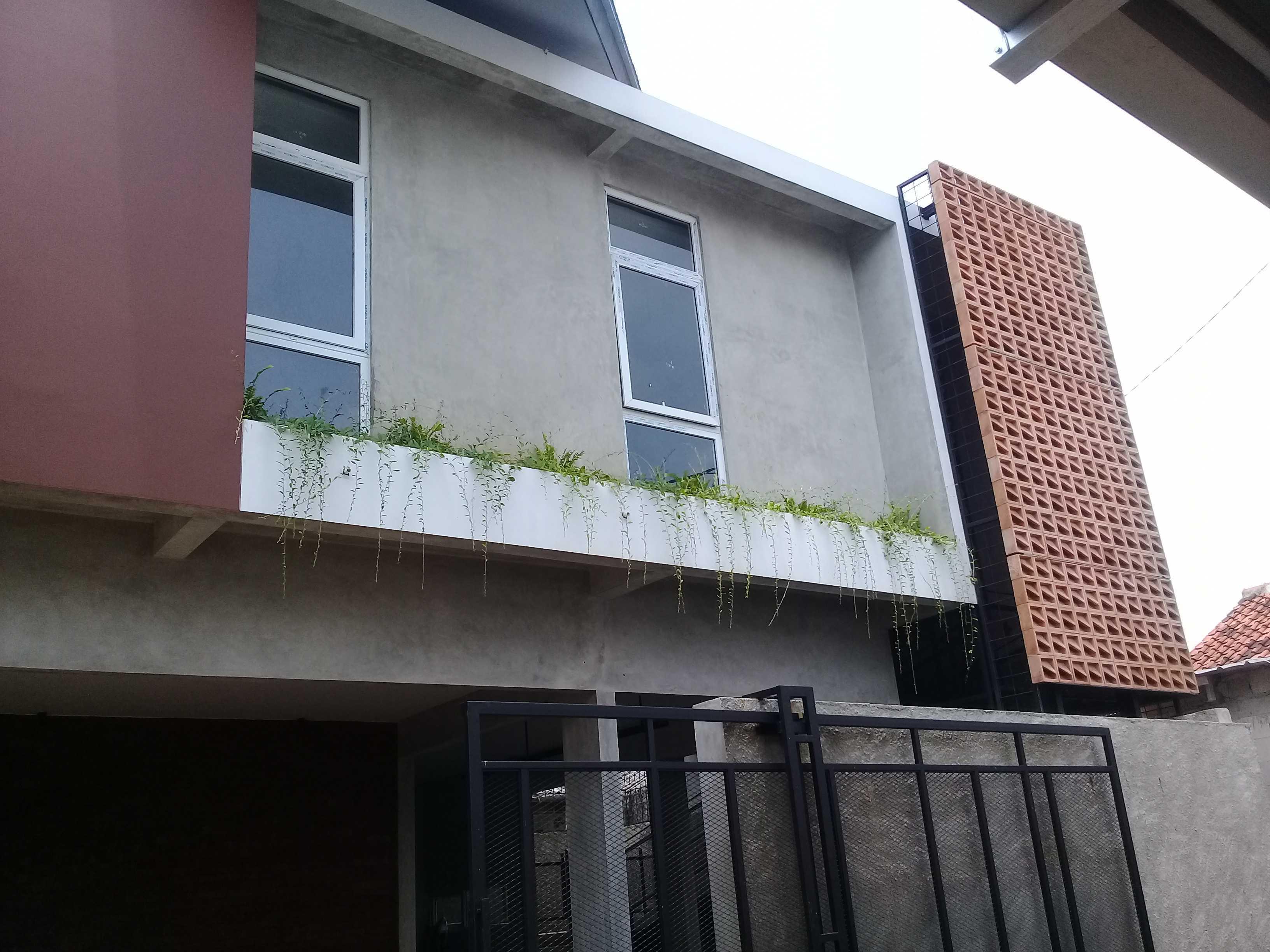 Yasa+ W-House Kec. Ciledug, Kota Tangerang, Banten, Indonesia Kec. Ciledug, Kota Tangerang, Banten, Indonesia Yasa-W-House Modern  90982
