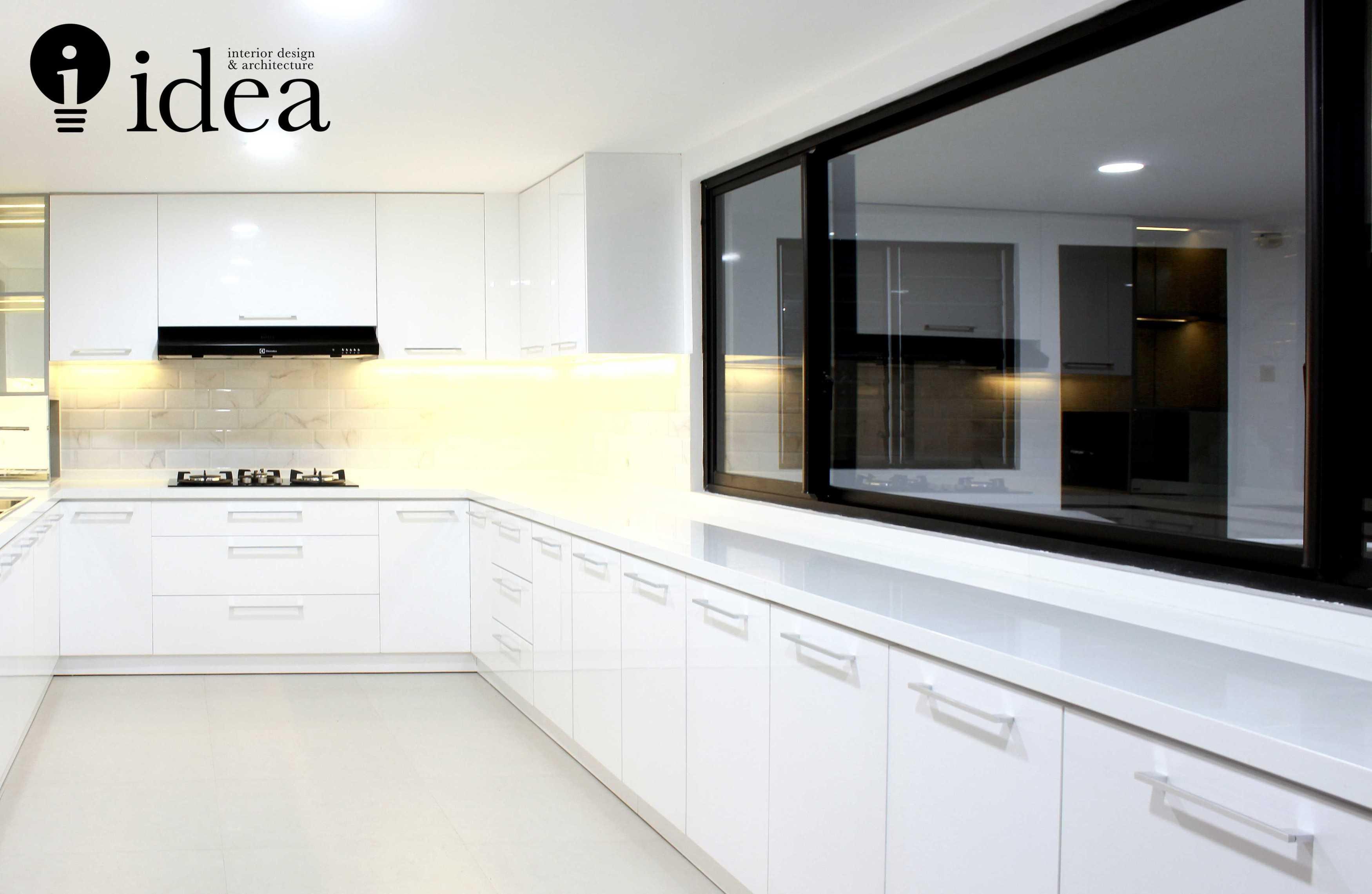 Idea Studio All White Kitchen Design Jl. Pakis Argosari, Dukuh Pakis, Kec. Dukuhpakis, Kota Sby, Jawa Timur 60224, Indonesia Jl. Pakis Argosari, Dukuh Pakis, Kec. Dukuhpakis, Kota Sby, Jawa Timur 60224, Indonesia Idea-Studio-All-White-Kitchen-Design  <P>Construction Detail.</p> <P>Built Photo</p> 79858