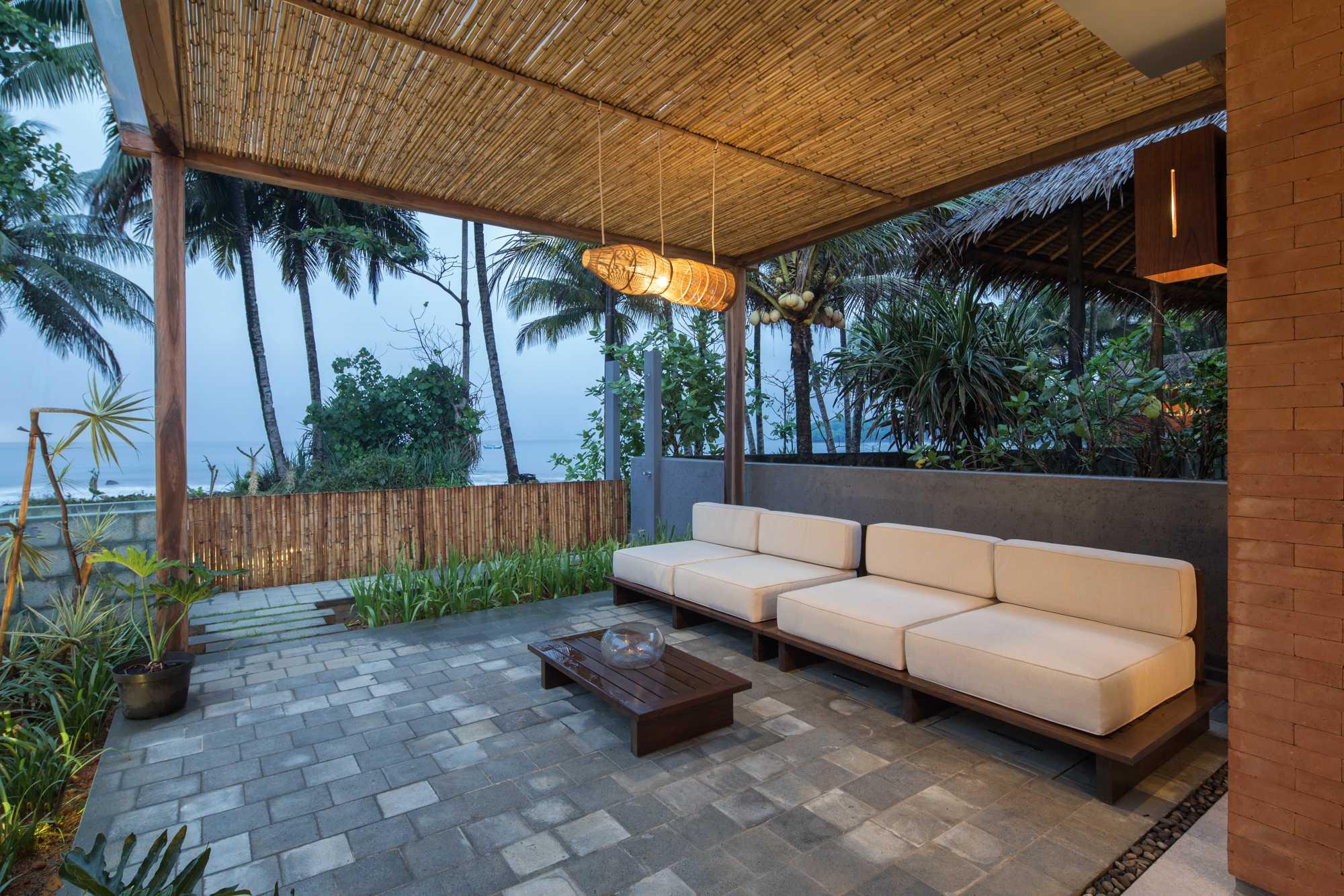 Erwin Kusuma Batu Karas Villa Batukaras Beach, West Java, Indonesia Batukaras Beach, West Java, Indonesia Erwin-Kusuma-Batu-Karas-Villa   64724