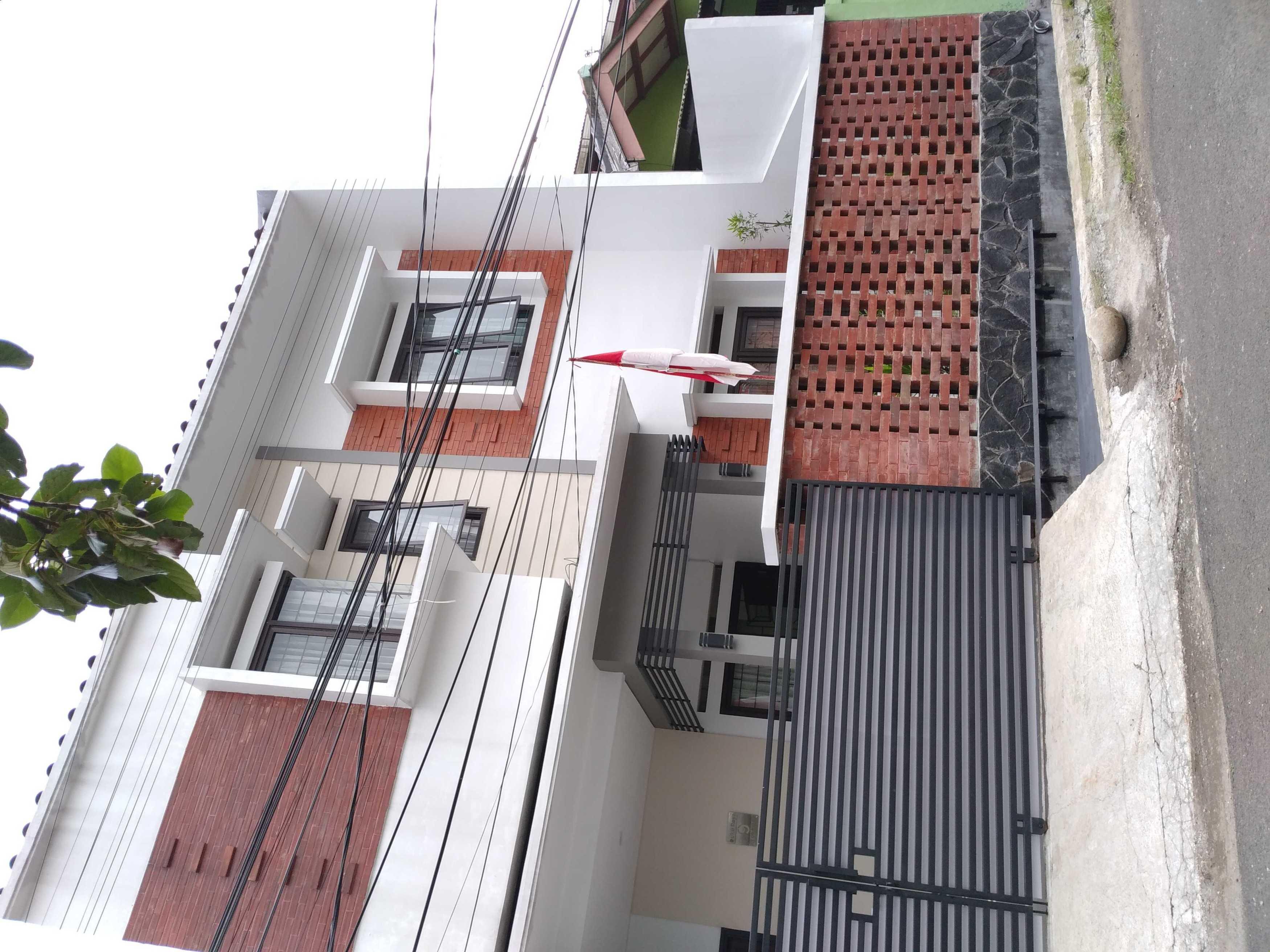 Mth29 Design [Design] Dr House - Bogor Bogor, Jawa Barat, Indonesia Bogor, Jawa Barat, Indonesia Mth29-Design-Dr-House-Bogor  <P>Ini Merupakan Foto Kondisi Terbangun, 95% Sesuai Dengan Rencana Di 3D</p> 109343