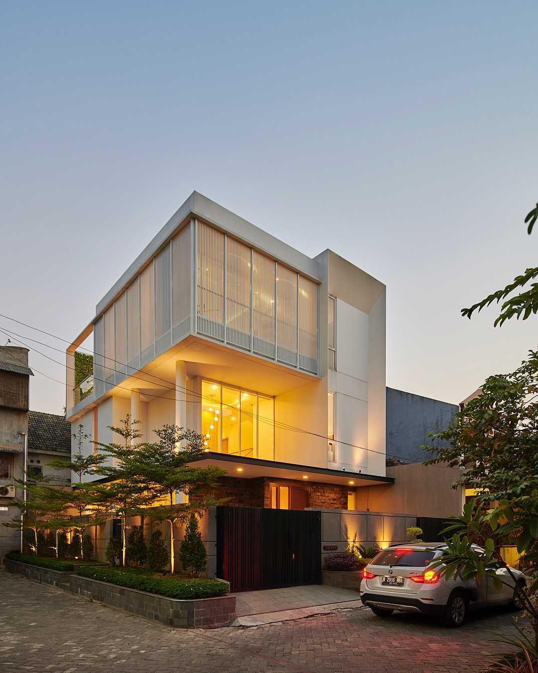 Co Associates B House Jalan Poris Indah, Cipondoh, Rt.1/rw.4, Cipondoh Indah, Tangerang, Cipondoh Indah, Cipondoh, Kota Tangerang, Banten 15122, Indonesia Jalan Poris Indah, Cipondoh, Rt.1/rw.4, Cipondoh Indah, Tangerang, Cipondoh Indah, Cipondoh, Kota Tangerang, Banten 15122, Indonesia Co-Associates-B-House   59083