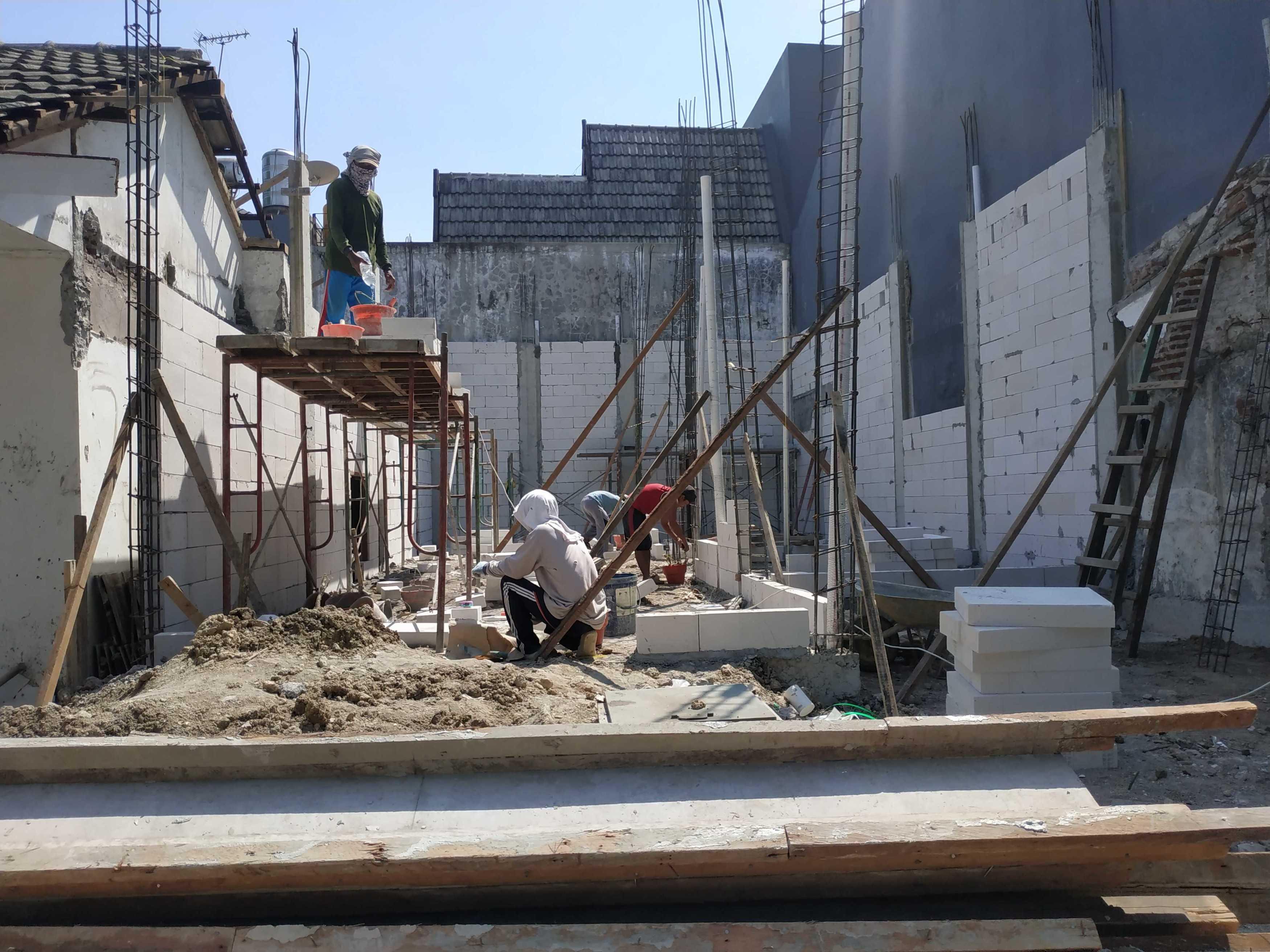 Gradasi Rumah Ibu Dewa Surabaya, Kota Sby, Jawa Timur, Indonesia Surabaya, Kota Sby, Jawa Timur, Indonesia Gradasi7-Rumah-Ibu-Dewa   89013