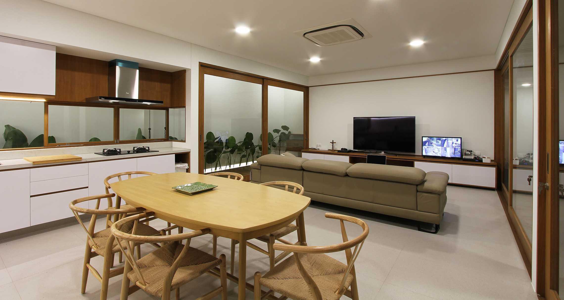 Sasmita Design Studio Penguin House Bandung, Kota Bandung, Jawa Barat, Indonesia Bandung, Kota Bandung, Jawa Barat, Indonesia William-Sasmita-Penguin-House   91200