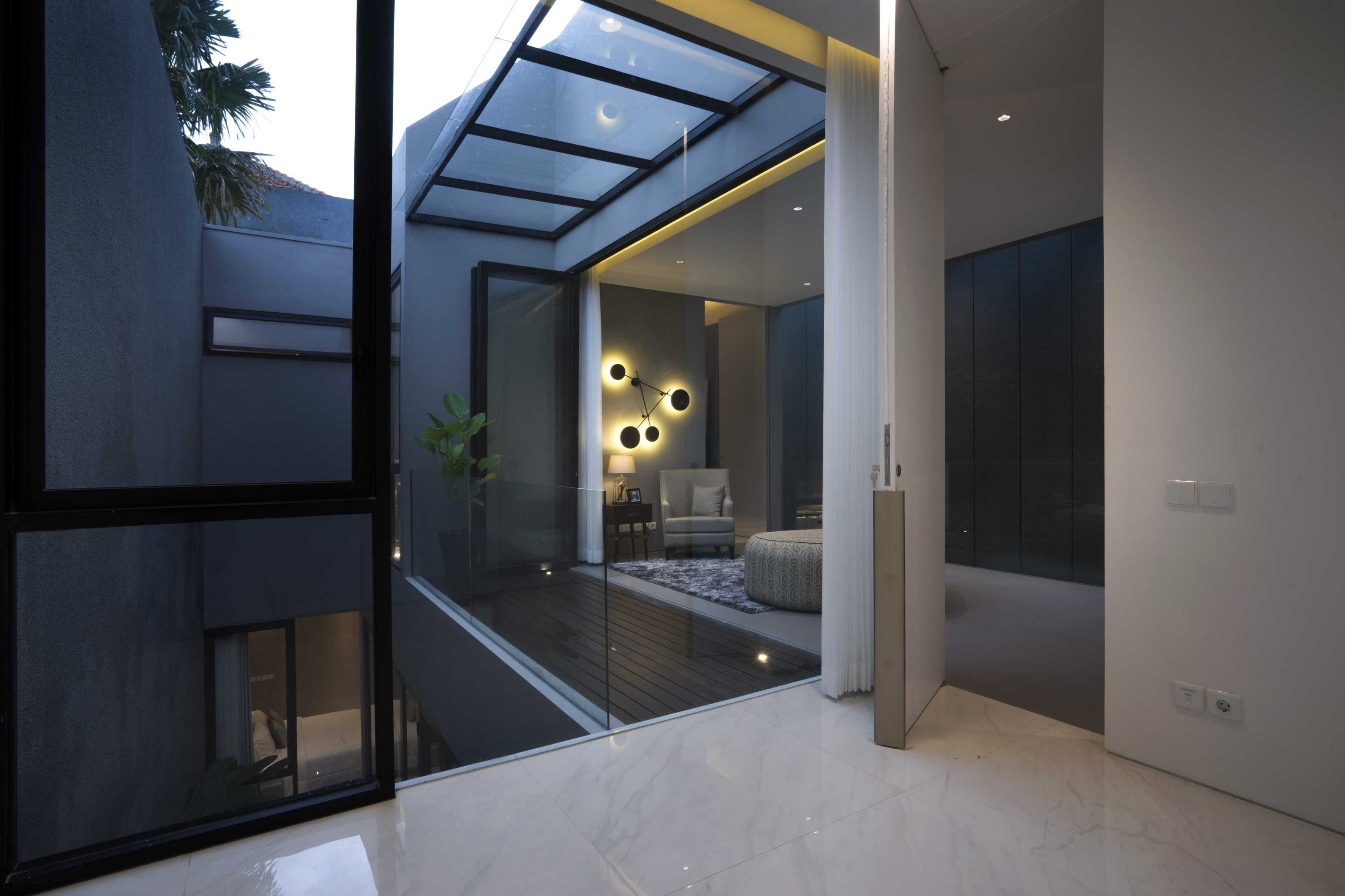 Simple Projects Architecture 'hhh' House Surabaya, Kota Sby, Jawa Timur, Indonesia  Simple-Projects-Architecture-Hhh-House   75032