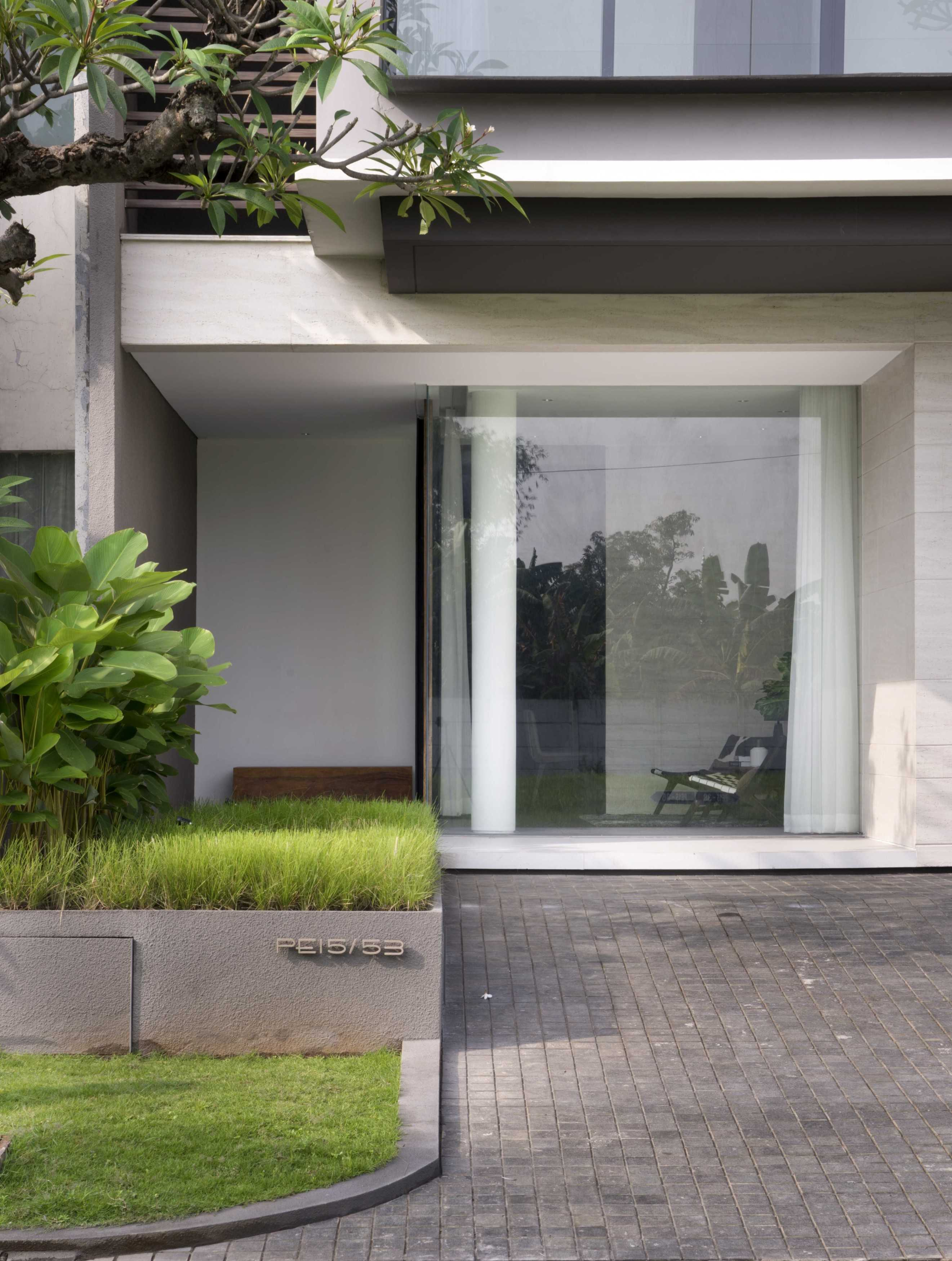 Simple Projects Architecture 'hhh' House Surabaya, Kota Sby, Jawa Timur, Indonesia  Simple-Projects-Architecture-Hhh-House   75043