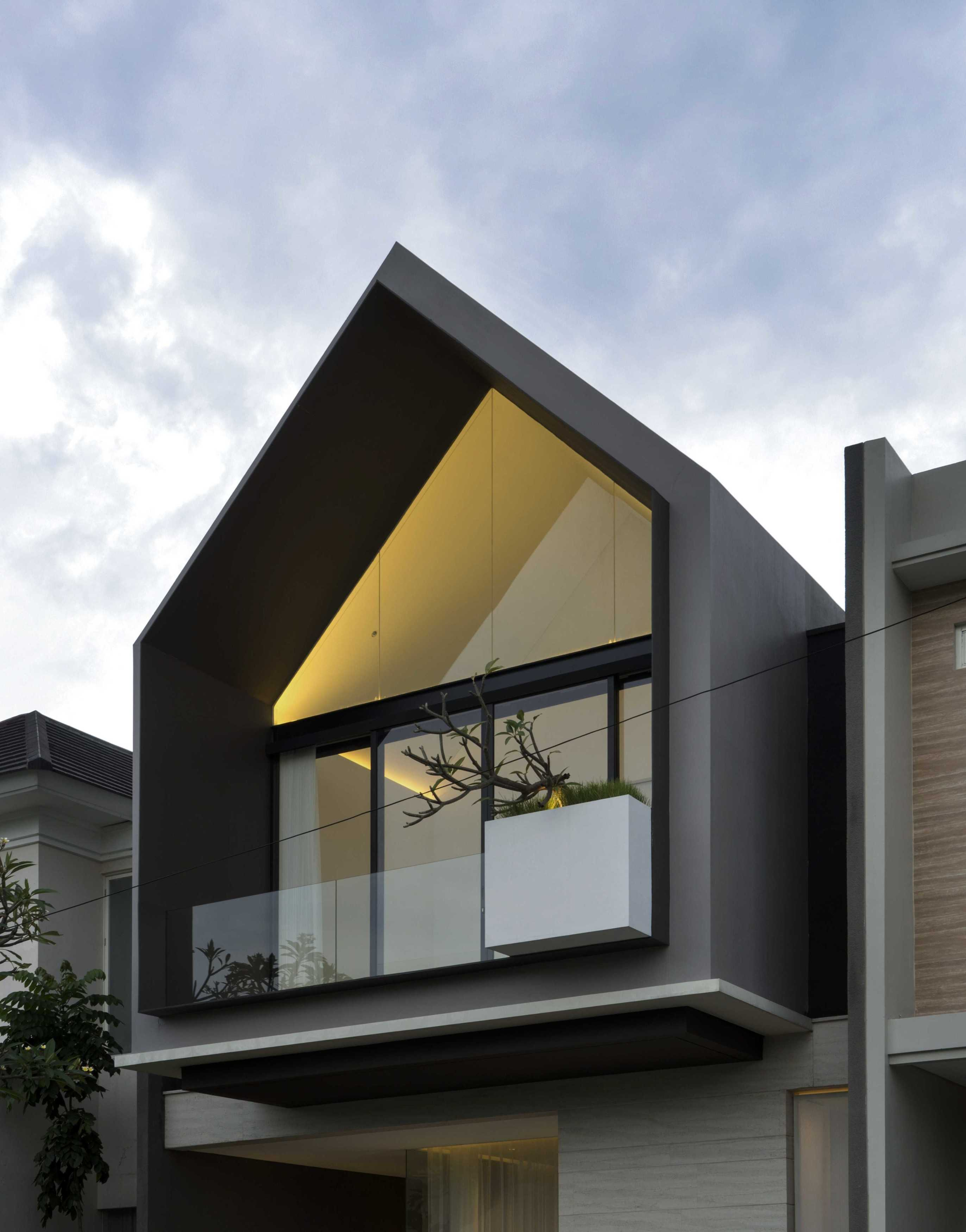 Simple Projects Architecture 'hhh' House Surabaya, Kota Sby, Jawa Timur, Indonesia  Simple-Projects-Architecture-Hhh-House   75046