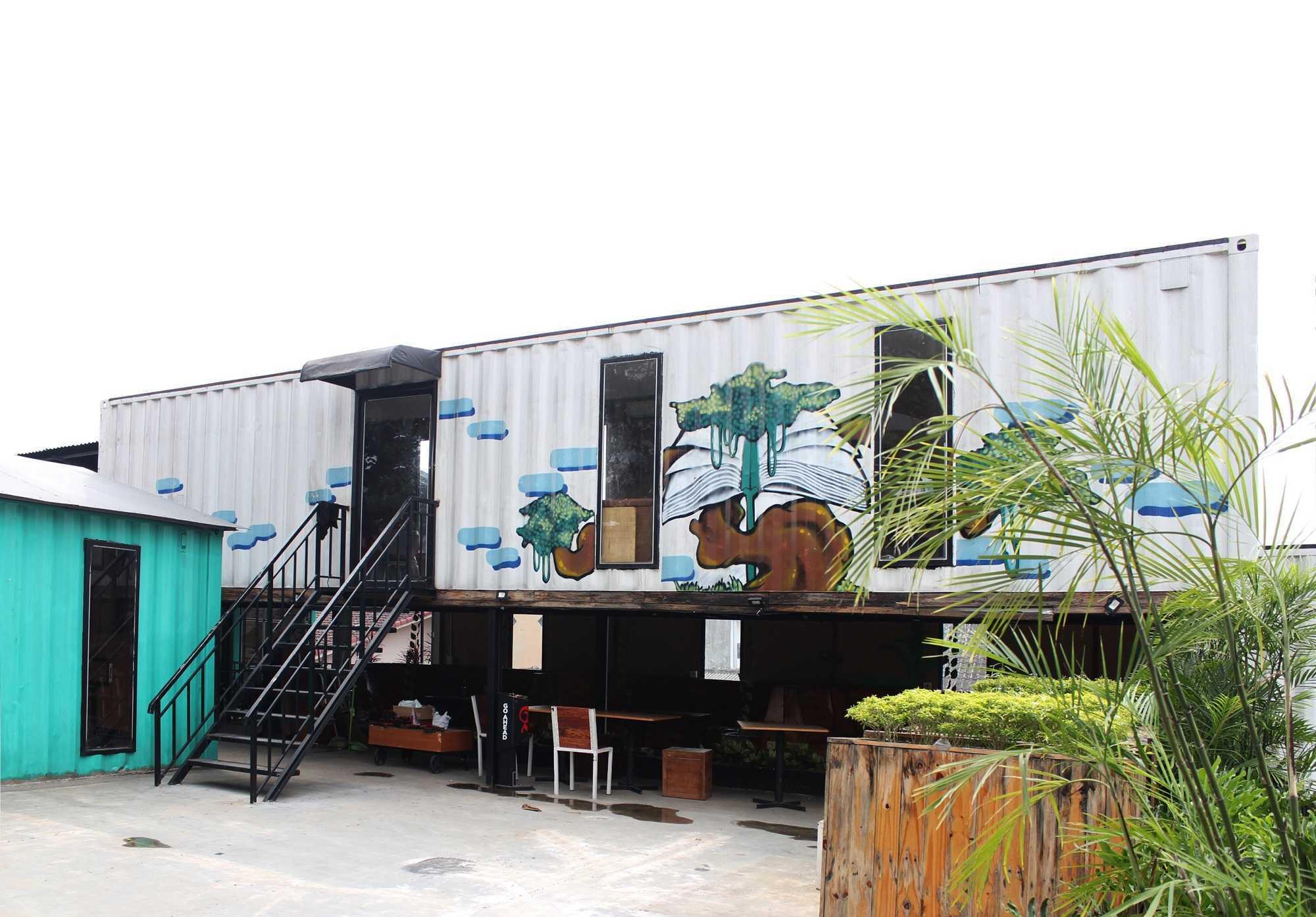 Braun Studio Northstars Cafe Medan Jl. Jamin Ginting, Padang Bulan, Medan Baru, Kota Medan, Sumatera Utara 20157, Indonesia Medan Sisingamangaraja Braun-Studio-Northstars-Cafe-Medan   57169
