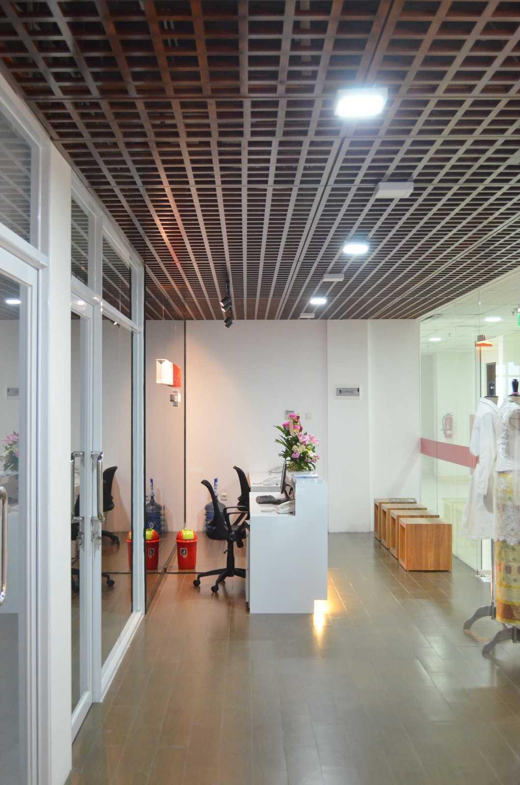 X3M Architects Esmod Creative Hub Kota Tgr. Sel., Kota Tangerang Selatan, Banten, Indonesia Kota Tgr. Sel., Kota Tangerang Selatan, Banten, Indonesia X3M-Architects-Esmod-Creative-Hub Modern  56027