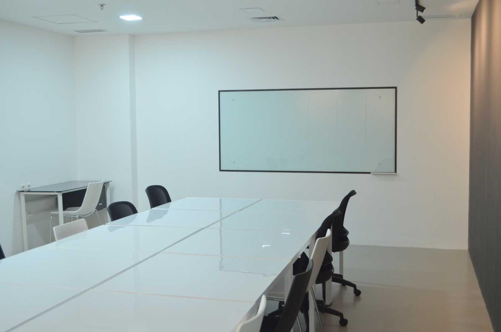 X3M Architects Esmod Creative Hub Kota Tgr. Sel., Kota Tangerang Selatan, Banten, Indonesia Kota Tgr. Sel., Kota Tangerang Selatan, Banten, Indonesia X3M-Architects-Esmod-Creative-Hub Modern  56028