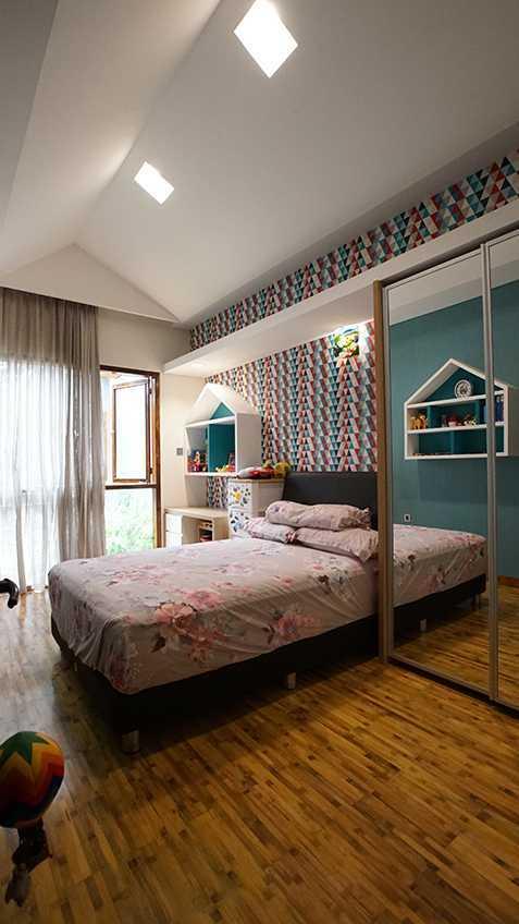 Imron Yusuf-Ifd Architects Solid Void House Bekasi Bar., Kota Bks, Jawa Barat, Indonesia Bekasi Bar., Kota Bks, Jawa Barat, Indonesia Imron-Yusuf-Ifd-Architects-Solid-Void-House   58308