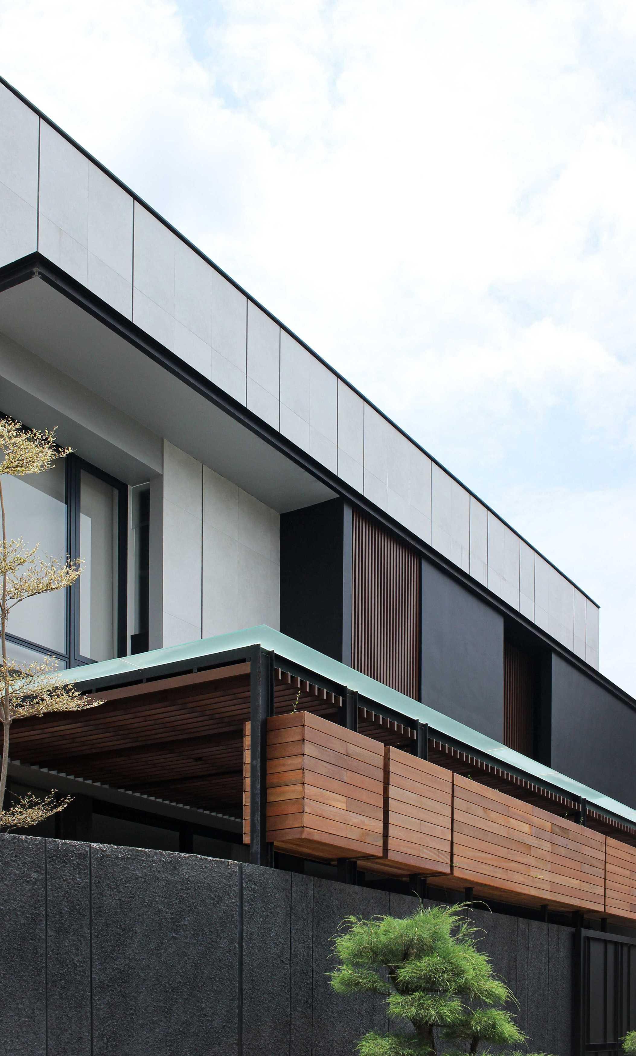 Y0 Design Architect J House Pd. Candra, Wadungasri, Kec. Waru, Kabupaten Sidoarjo, Jawa Timur, Indonesia Pd. Candra, Wadungasri, Kec. Waru, Kabupaten Sidoarjo, Jawa Timur, Indonesia Yohanes-Iswara-Limandjaya-J-House   120969