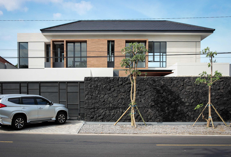 Y0 Design Architect S House Kec. Srono, Kabupaten Banyuwangi, Jawa Timur, Indonesia Kec. Srono, Kabupaten Banyuwangi, Jawa Timur, Indonesia Yohanes-Iswara-Limandjaya-S-House   121069
