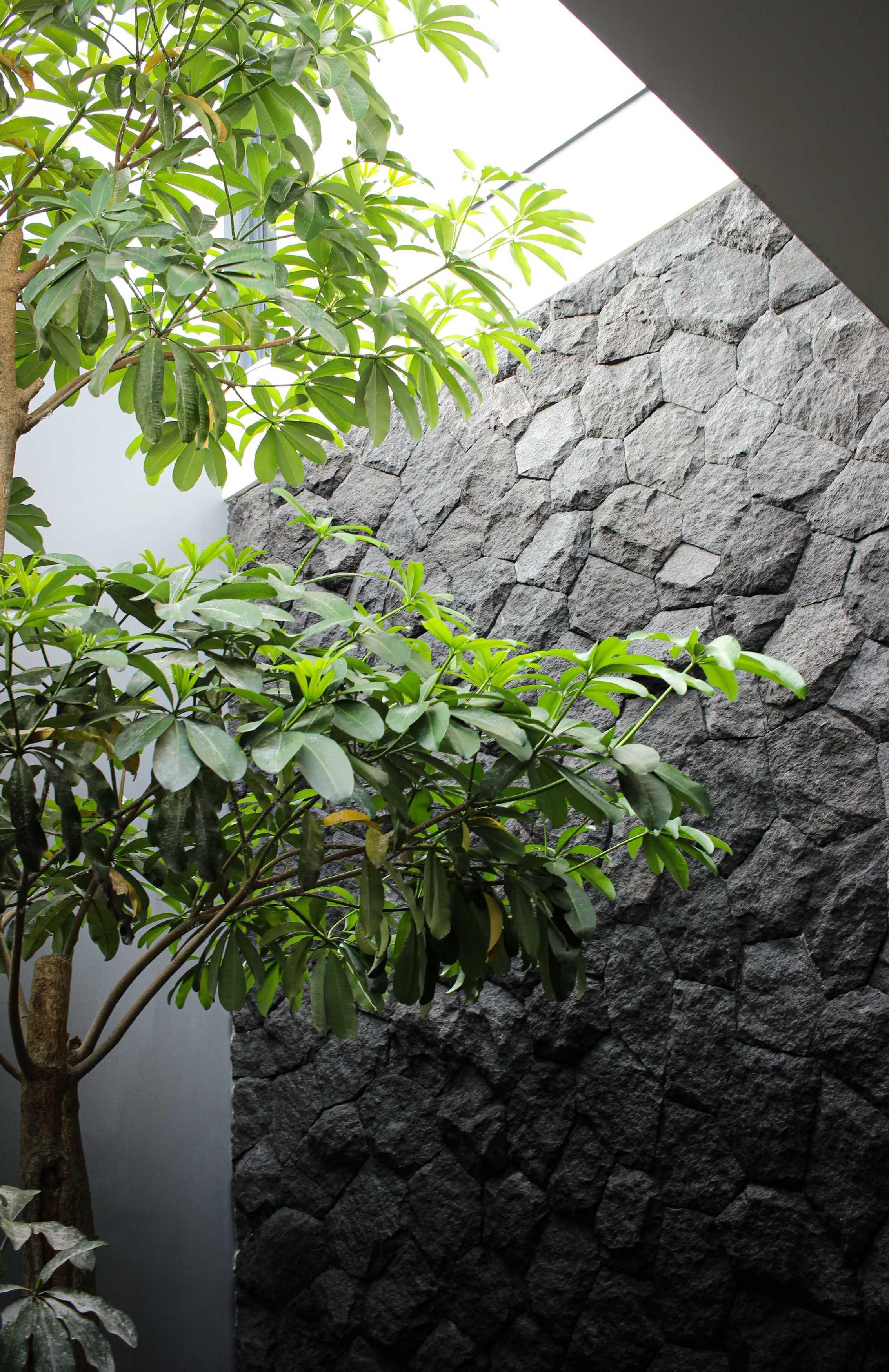 Y0 Design Architect S House Kec. Srono, Kabupaten Banyuwangi, Jawa Timur, Indonesia Kec. Srono, Kabupaten Banyuwangi, Jawa Timur, Indonesia Yohanes-Iswara-Limandjaya-S-House   121089