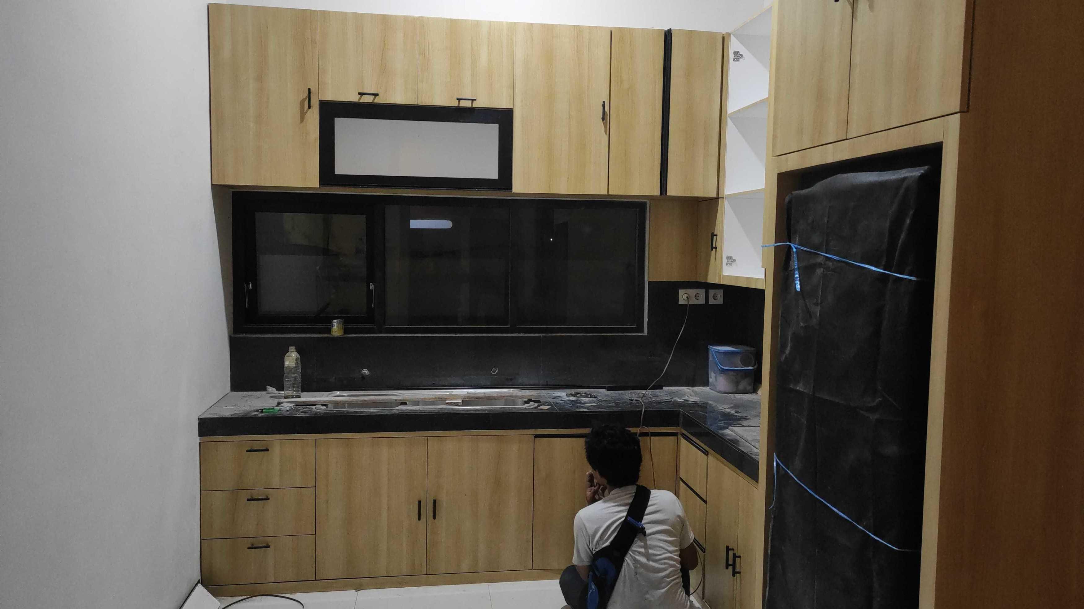 Pekerjaan Kitchen Set Minimalist  129456