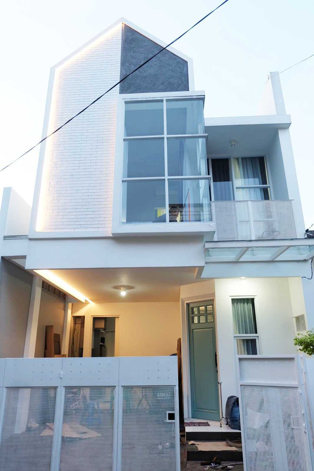 A3 Design & Build Rumah Dhyana Pesona Jl. Jombang Rw. Lele No.17, Rt.1, Jombang, Kec. Ciputat, Kota Tangerang Selatan, Banten 15414, Indonesia Jl. Jombang Rw. Lele No.17, Rt.1, Jombang, Kec. Ciputat, Kota Tangerang Selatan, Banten 15414, Indonesia A-3-D-Es-I-G-N-B-U-I-L-D-Rumah-Dhyana-Pesona   137304