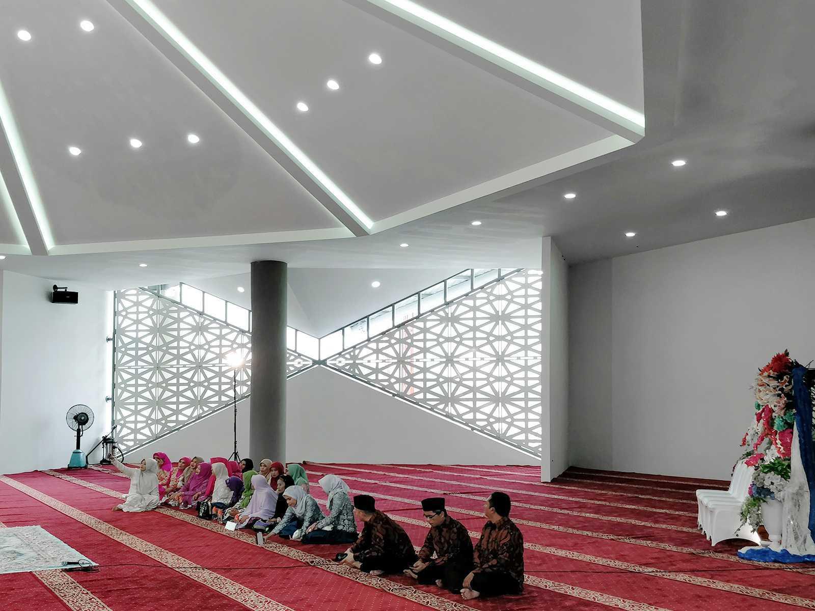 Bramasta Redy Masjid Apung Amahami Bima, Nusa Tenggara Bar., Indonesia Bima, Nusa Tenggara Bar., Indonesia Bramasta-Redy-Masjid-Apung-Amahami   65773