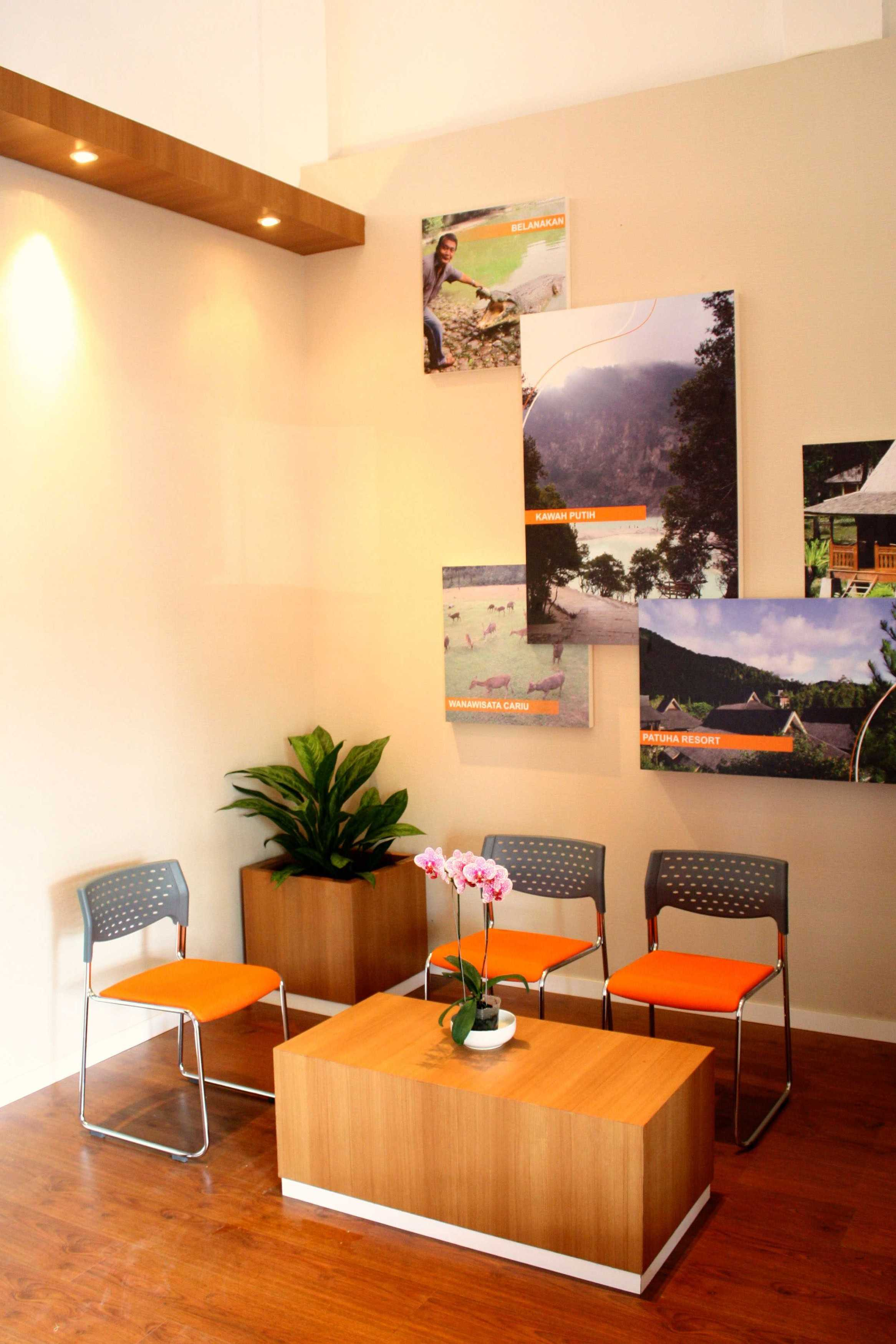 Gia Ginanjar Ecotourism Centre Perhutani Laswi, Baleendah, Bandung, Jawa Barat 40375, Indonesia Laswi, Baleendah, Bandung, Jawa Barat 40375, Indonesia Gia-Ginanjar-Ecotourism-Centre-Perhutani Modern <P>Lobby</p> 55726