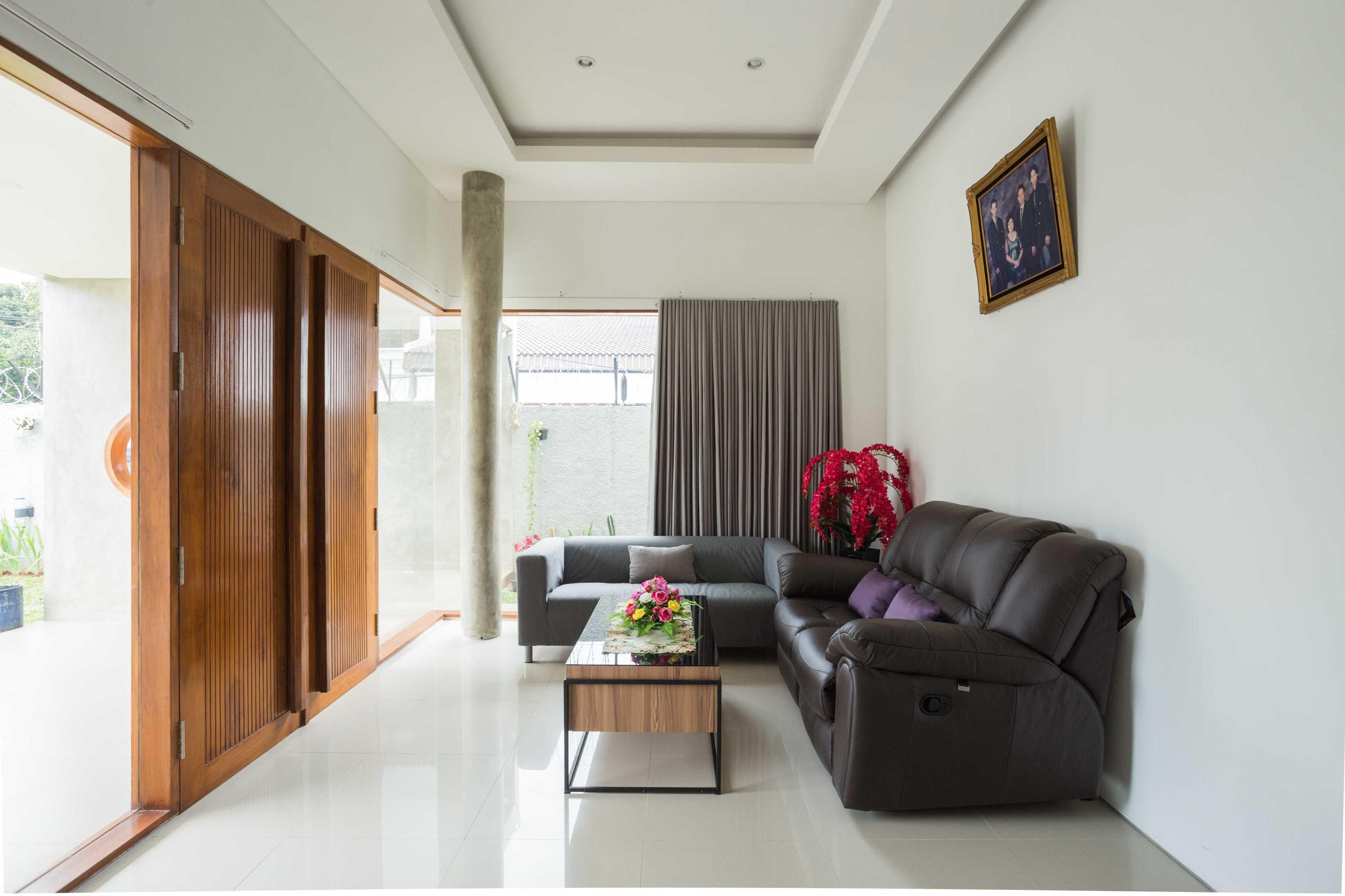 Guntur Haryadi Architecture Studio Ni House Depok, Kota Depok, Jawa Barat, Indonesia Depok, Kota Depok, Jawa Barat, Indonesia Guntur-Haryadi-Architecture-Studio-Ni-House   62613