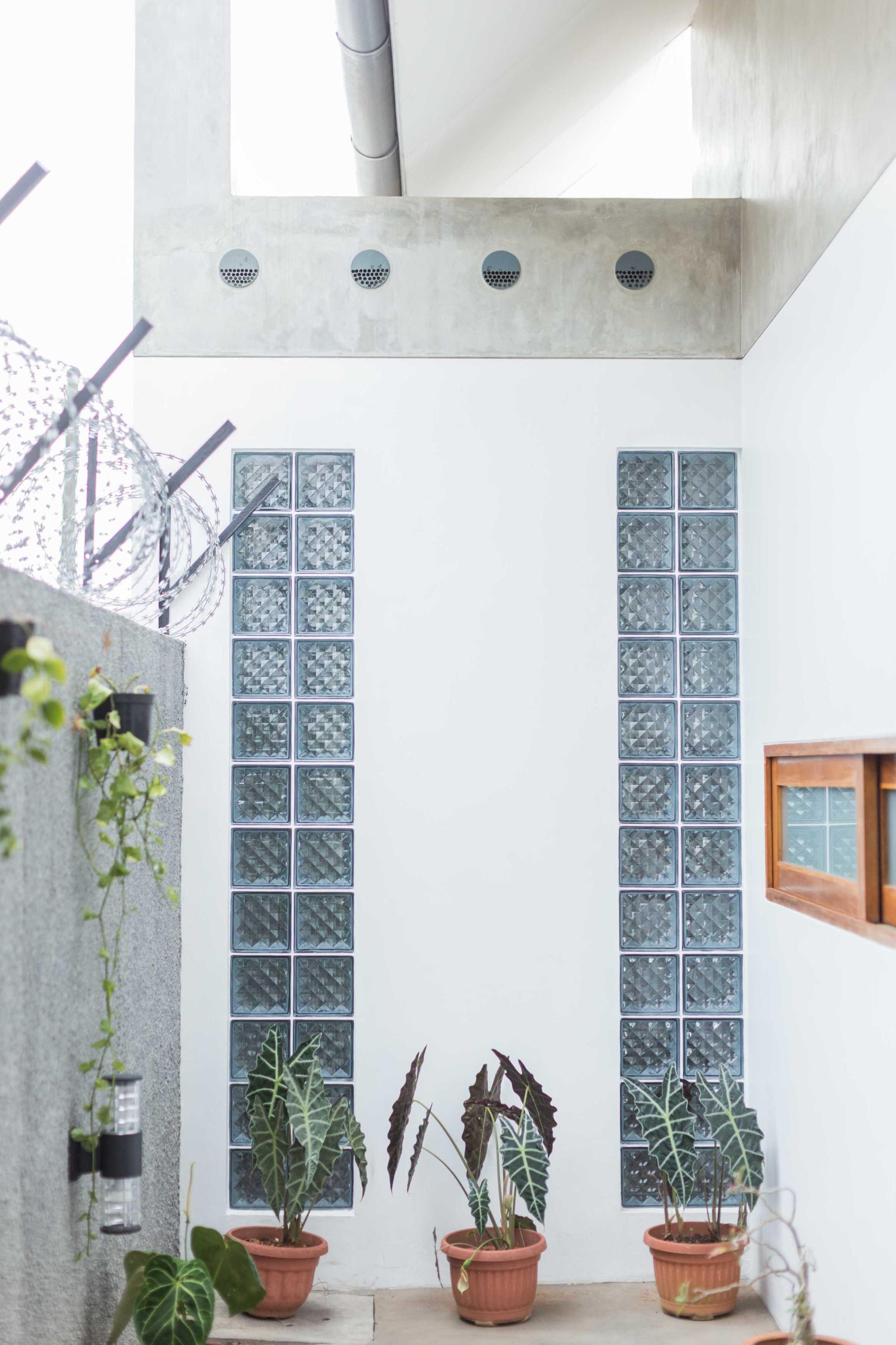 Guntur Haryadi Architecture Studio Ni House Depok, Kota Depok, Jawa Barat, Indonesia Depok, Kota Depok, Jawa Barat, Indonesia Guntur-Haryadi-Architecture-Studio-Ni-House   62628