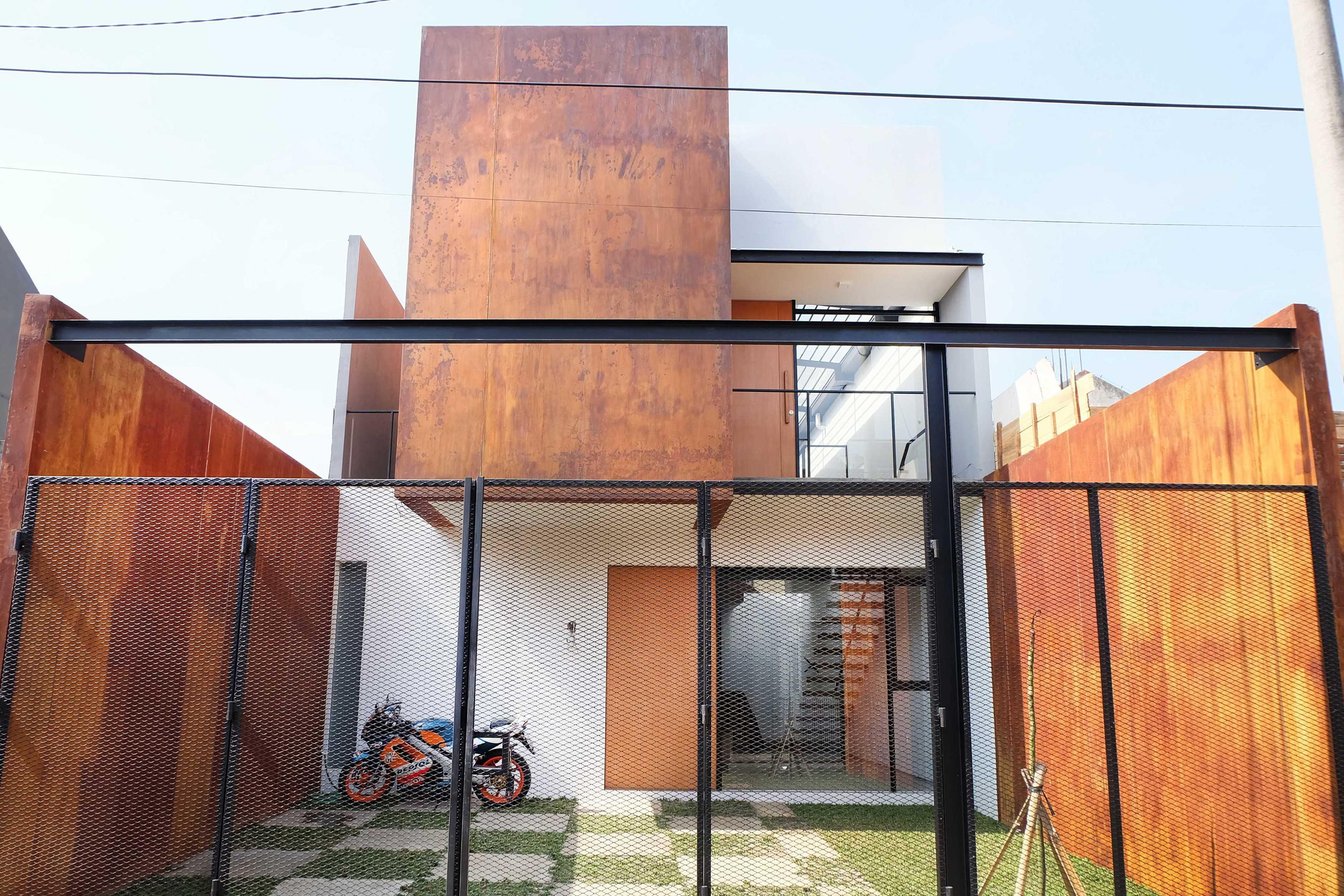 Dica Selaras 105 House Antapani, Kota Bandung, Jawa Barat, Indonesia Antapani, Kota Bandung, Jawa Barat, Indonesia Dica-Selaras-105-House   62323