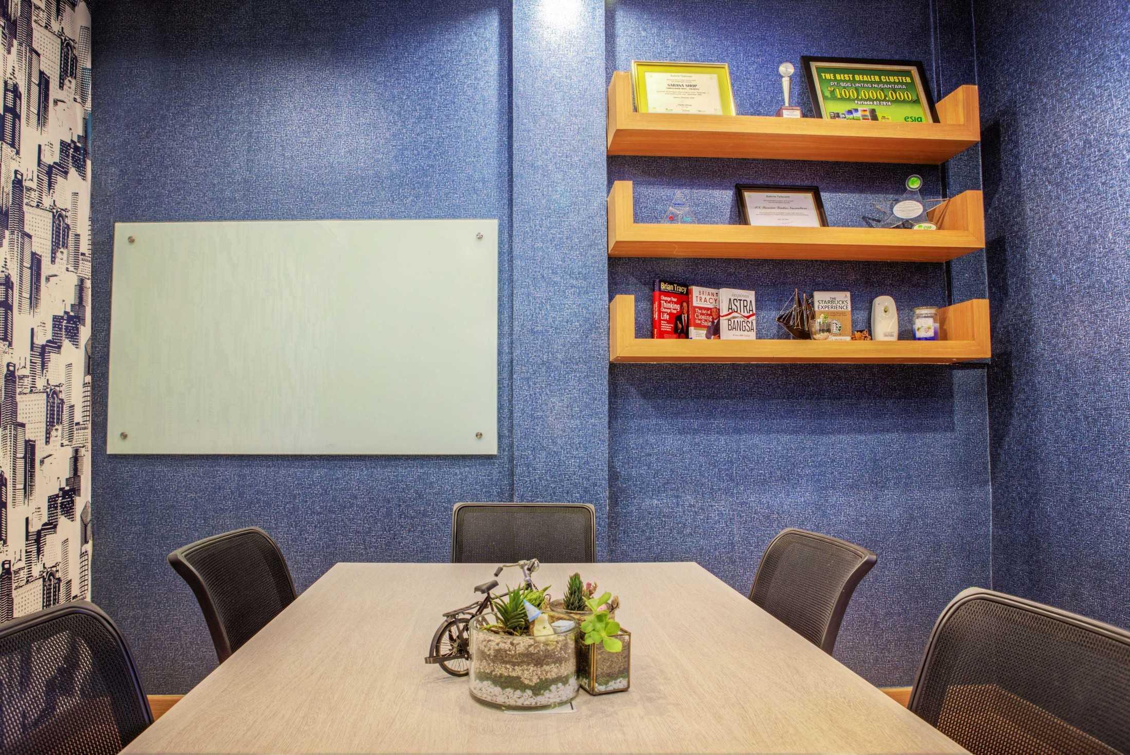 Total Renov Ruang Meeting Office Dan Mogot Jl. Daan Mogot, Indonesia Jl. Daan Mogot, Indonesia Total-Renov-Ruang-Meeting-Office-Dan-Mogot  59880