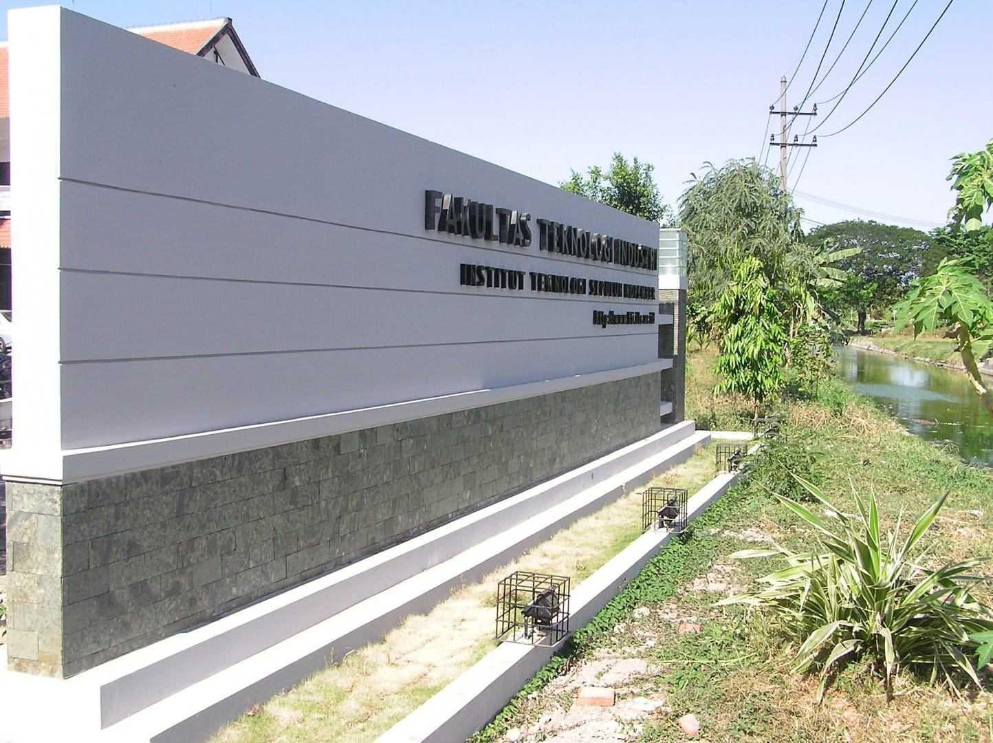 Ega Cipta Pratama Its Surabaya Surabaya, Kota Sby, Jawa Timur, Indonesia Surabaya, Kota Sby, Jawa Timur, Indonesia Ega-Cipta-Pratama-Gerbang-Fakultas-Teknologi-Industri-Its Modern 55356