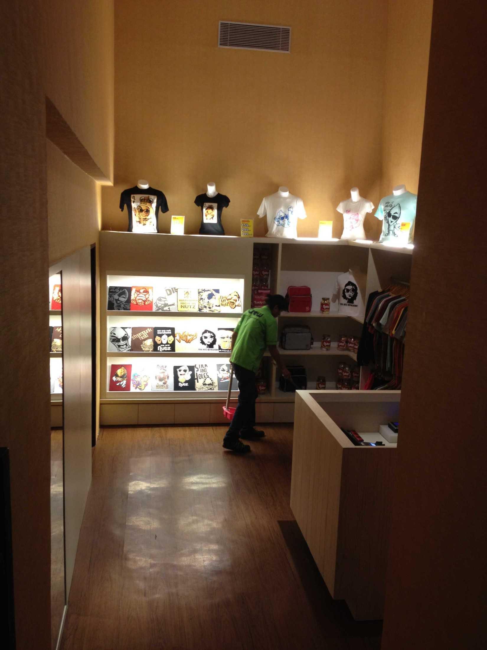 Astana Interior Blackberry Store Mkg Jakarta, Daerah Khusus Ibukota Jakarta, Indonesia Jakarta, Daerah Khusus Ibukota Jakarta, Indonesia Astana-Interior-Blackberry-Store-Mkg  58058