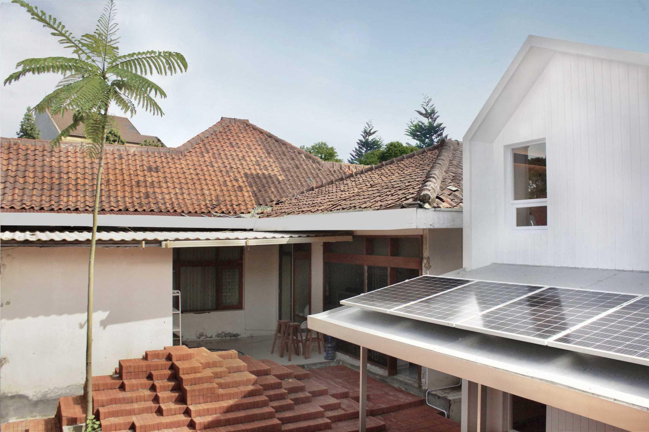 Aaksen Responsible Aarchitecture Home-Office Pods Aand Sayana Bandung, Kota Bandung, Jawa Barat, Indonesia Bandung, Kota Bandung, Jawa Barat, Indonesia Aaksen-Responsible-Aarchitecture-Home-Office-Pods-Aand-Sayana  89654
