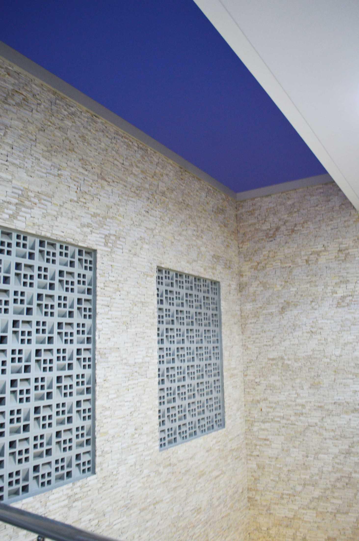 Conarch Studio Modern House With Natural Color Palette Surakarta, Kota Surakarta, Jawa Tengah, Indonesia Surakarta, Kota Surakarta, Jawa Tengah, Indonesia Mini Outdoor Space  122980