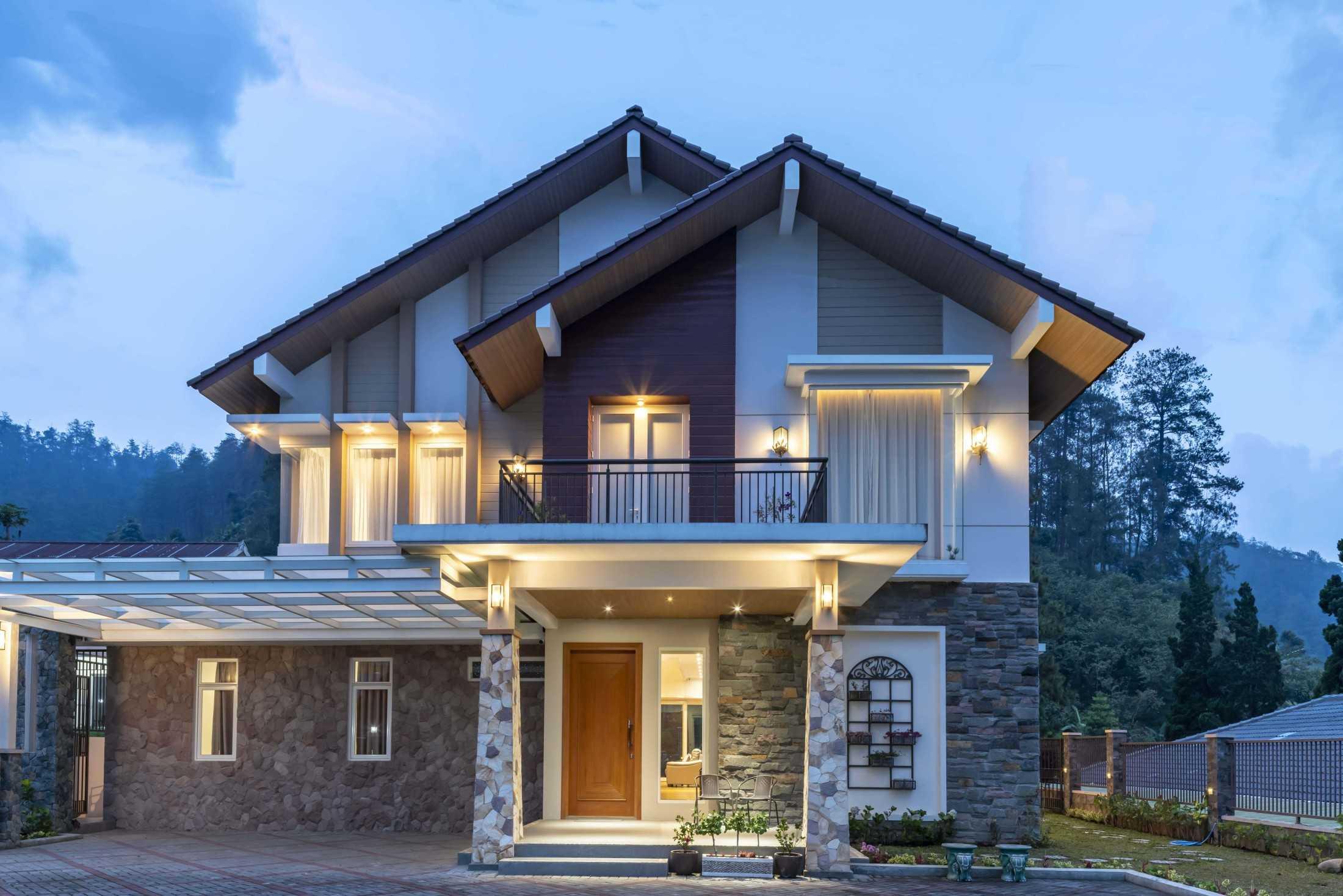 Conarch Studio Breezy Tropical Villa Kec. Tawangmangu, Kabupaten Karanganyar, Jawa Tengah, Indonesia Kec. Tawangmangu, Kabupaten Karanganyar, Jawa Tengah, Indonesia Exterior  126660