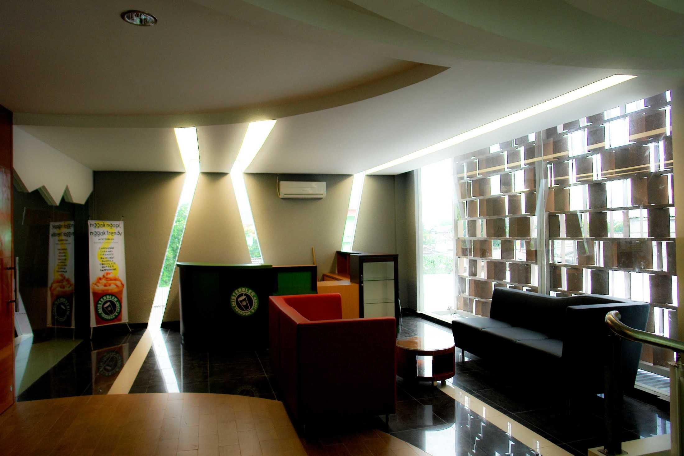 Im Design Associates Suzuki Showroom @ Cimanggis Kec. Cimanggis, Kota Depok, Jawa Barat, Indonesia Kec. Cimanggis, Kota Depok, Jawa Barat, Indonesia Im-Design-Associates-Suzuki-Showroom-Cimanggis  73059
